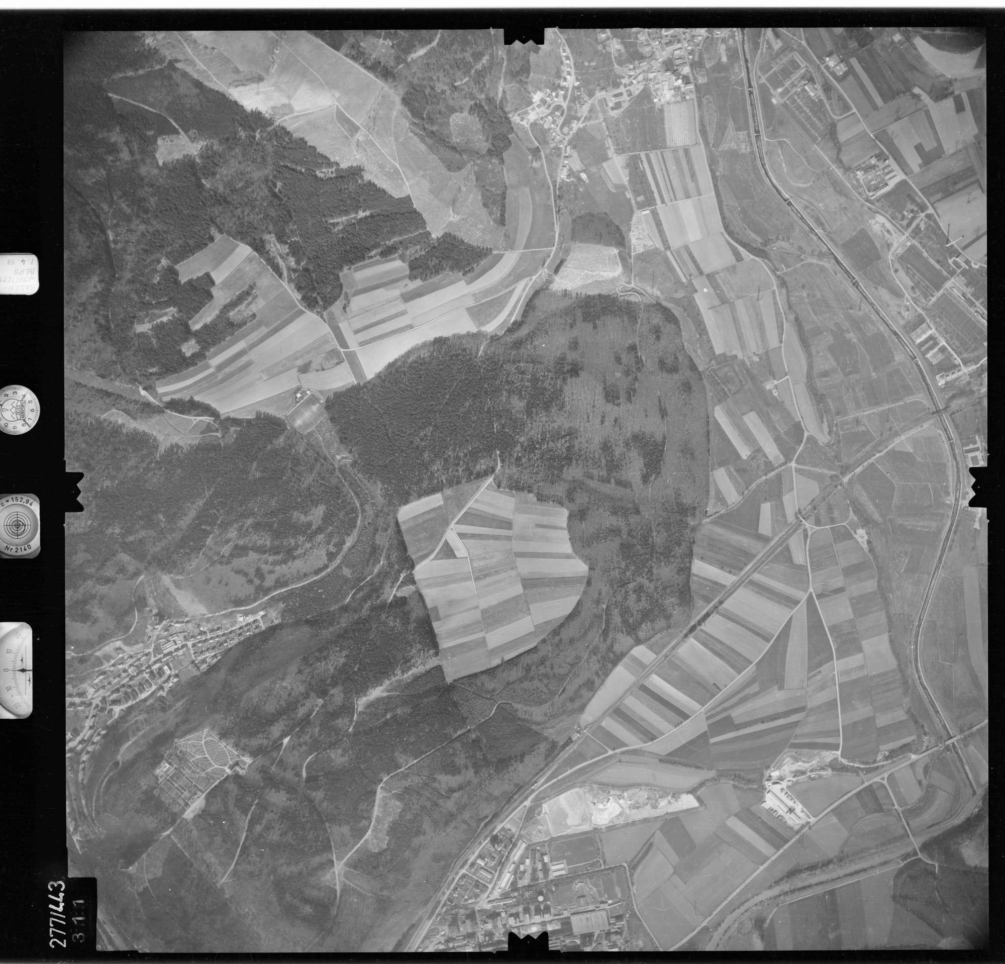 Luftbild: Film 81 Bildnr. 311, Bild 1