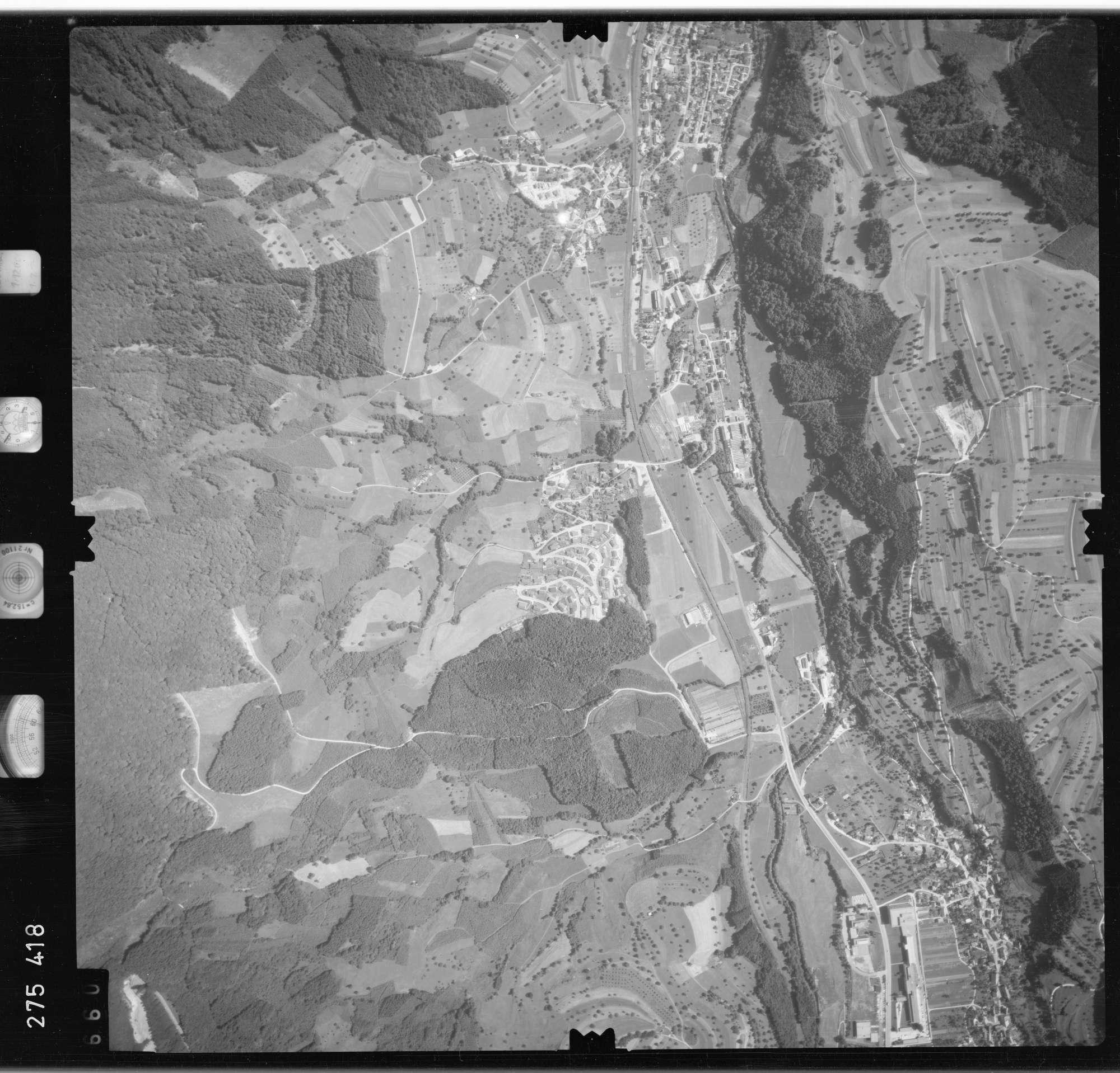 Luftbild: Film 77 Bildnr. 660, Bild 1