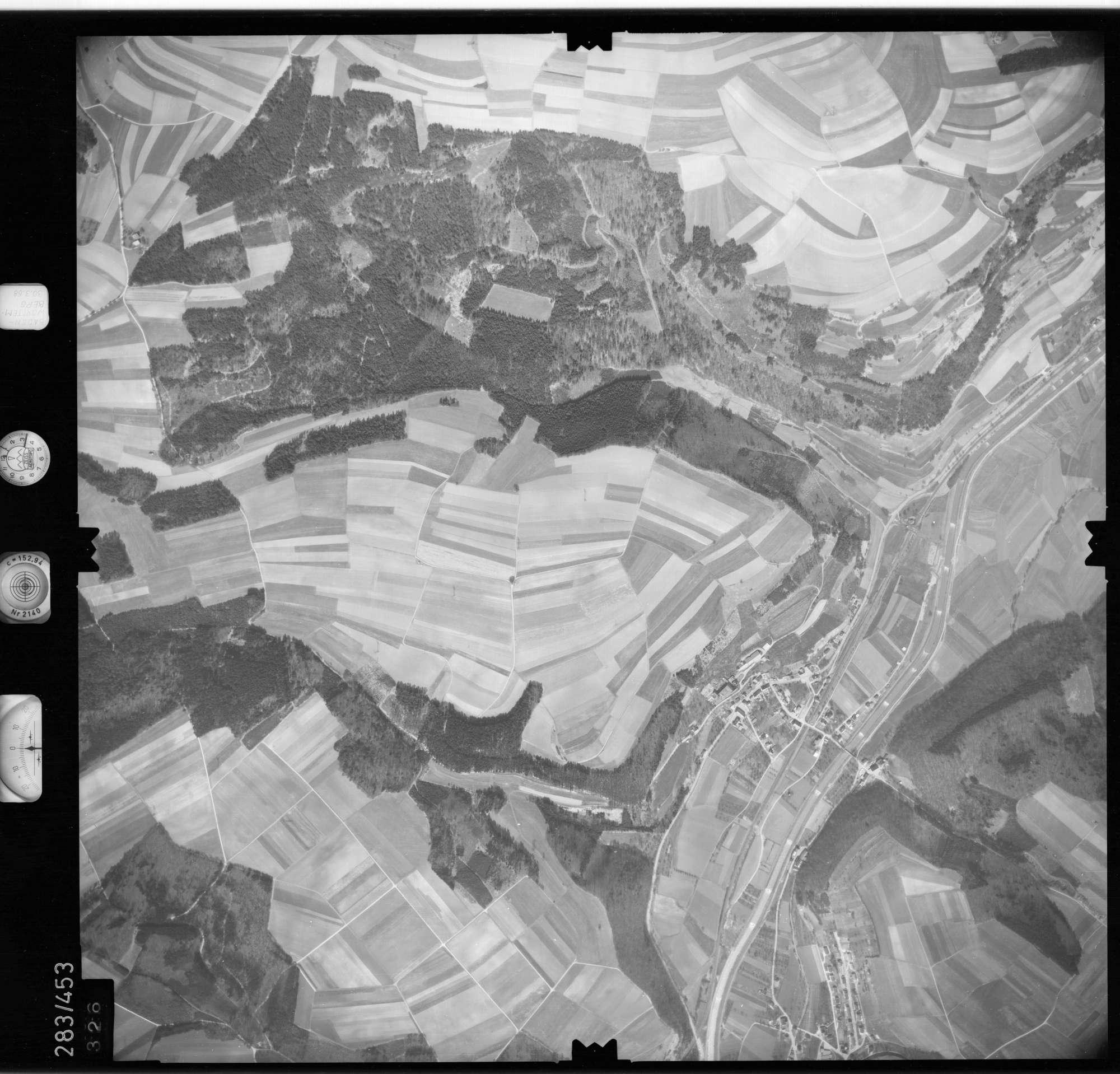 Luftbild: Film 79 Bildnr. 326, Bild 1
