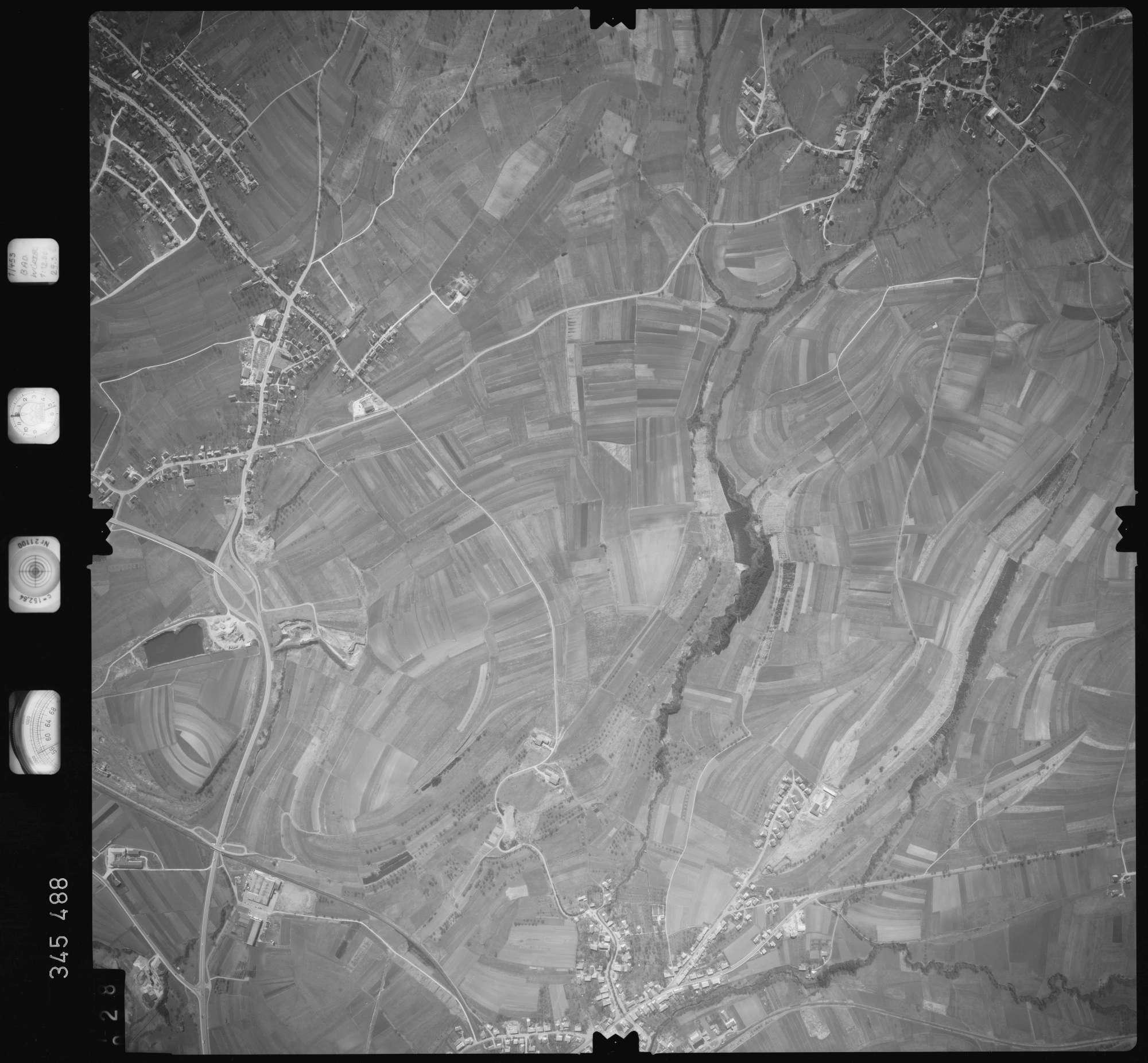 Luftbild: Film 44 Bildnr. 28, Bild 1