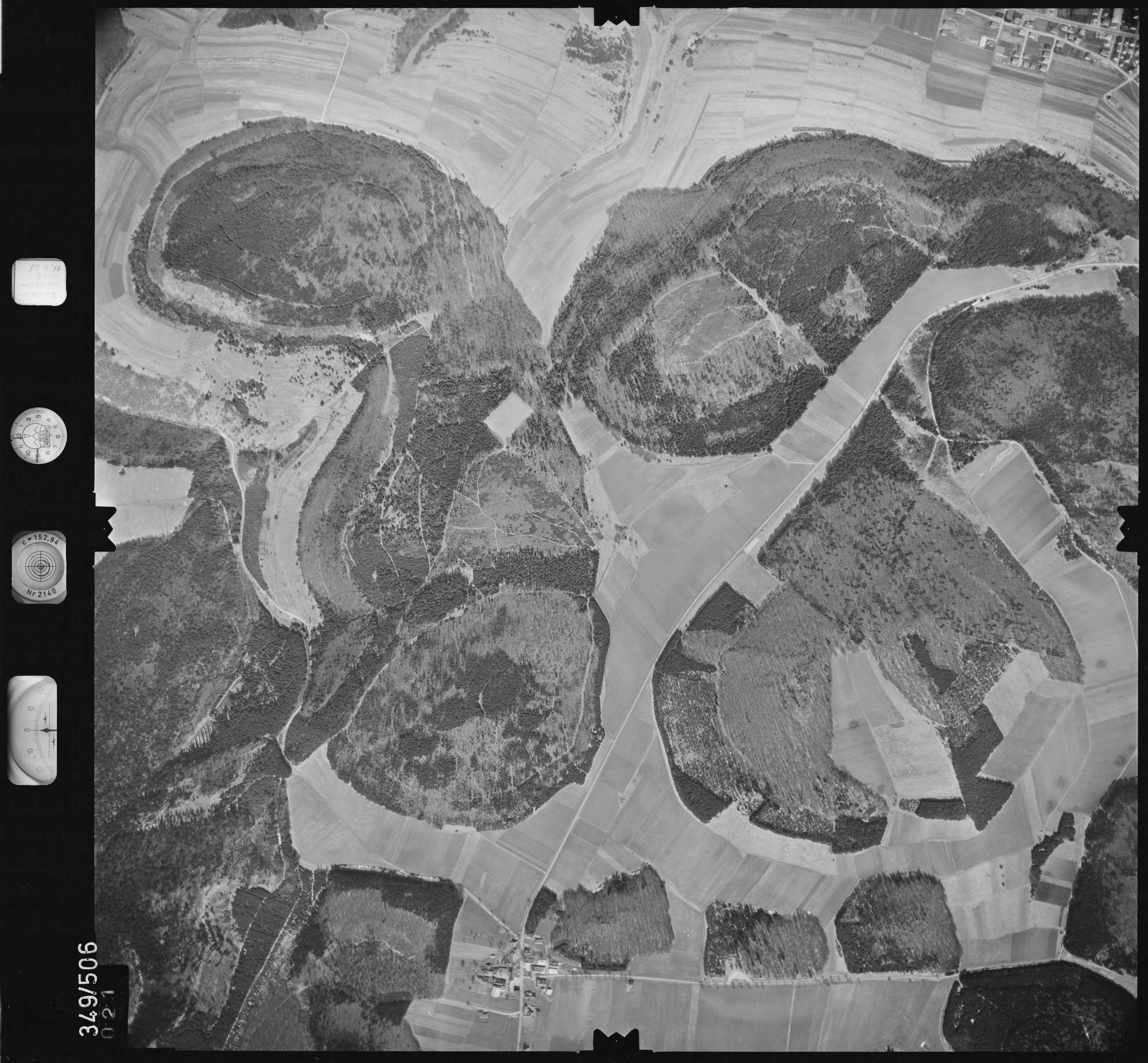Luftbild: Film 45 Bildnr. 21, Bild 1