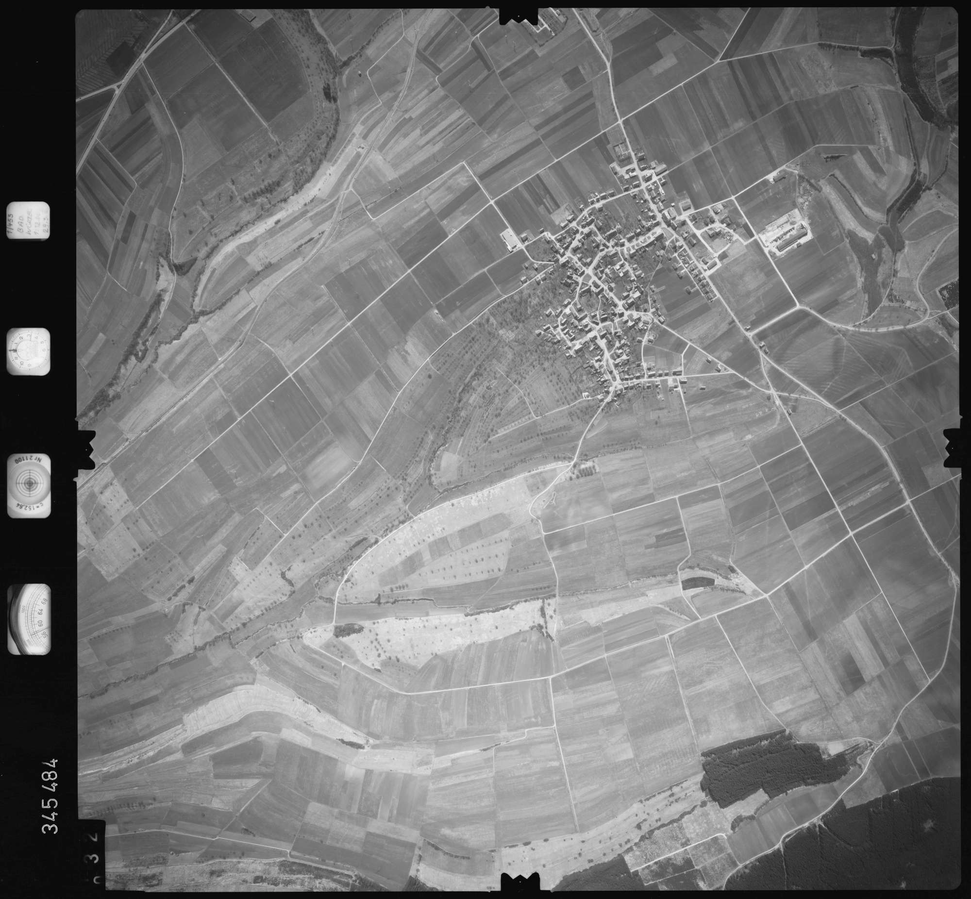 Luftbild: Film 44 Bildnr. 32, Bild 1