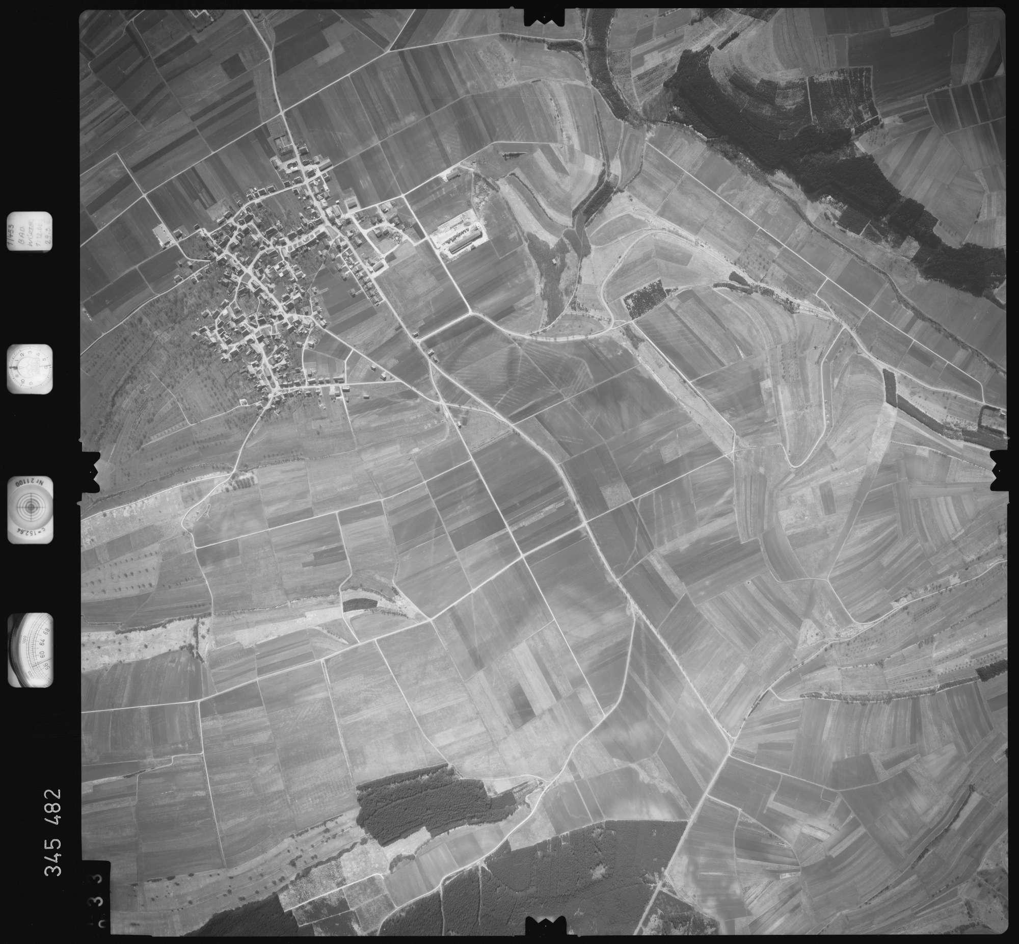 Luftbild: Film 44 Bildnr. 33, Bild 1