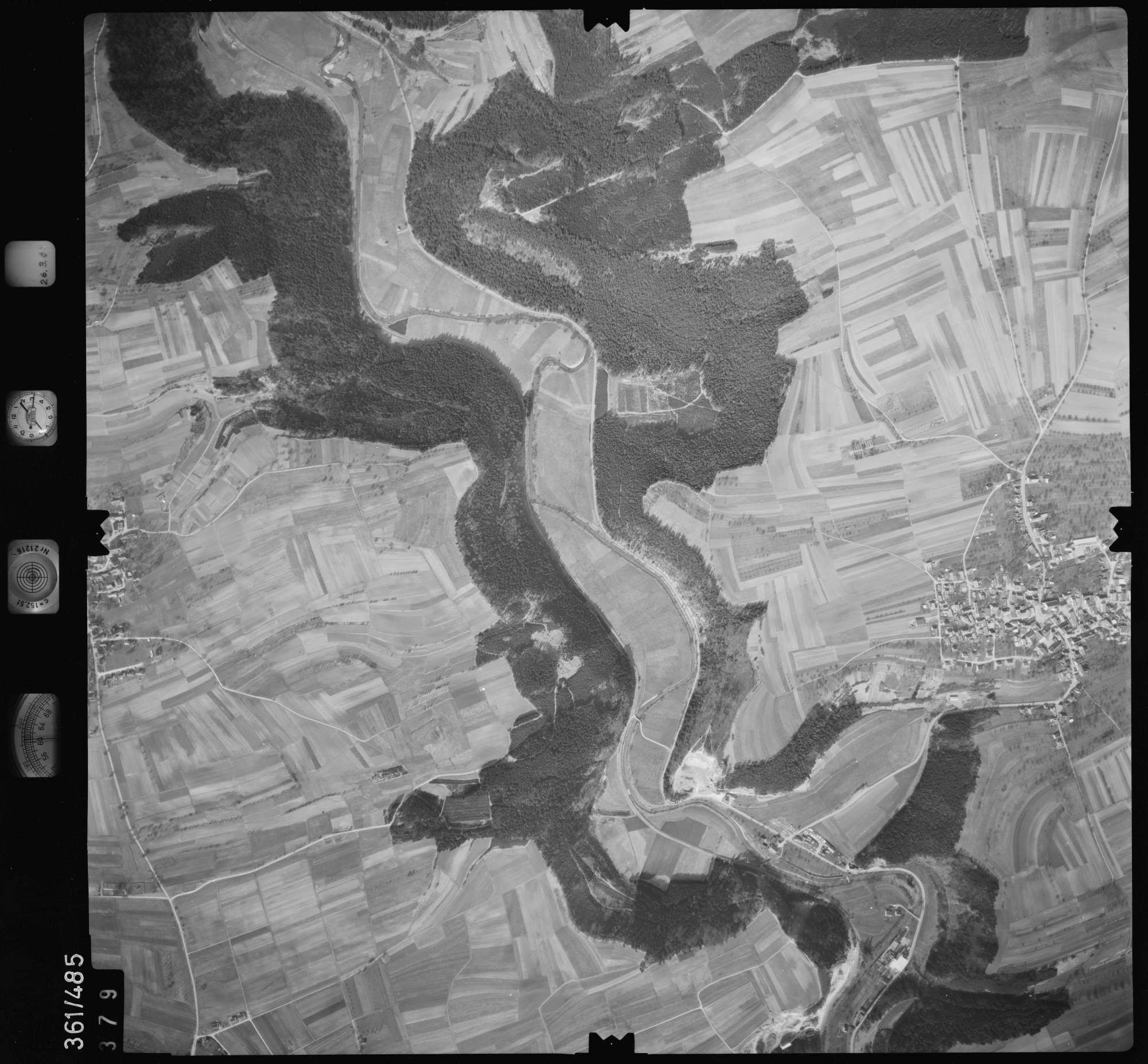 Luftbild: Film 20 Bildnr. 379, Bild 1