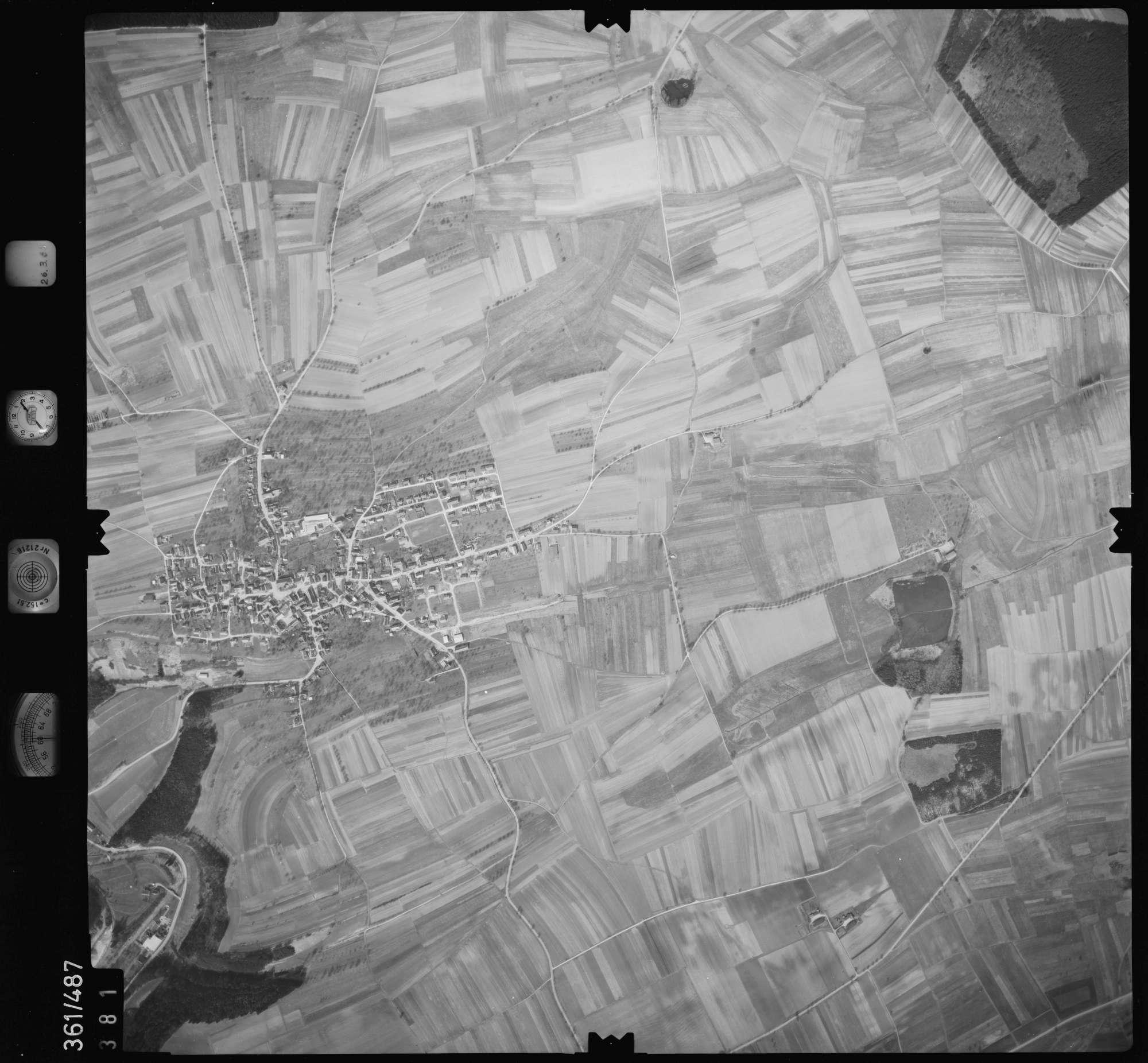 Luftbild: Film 20 Bildnr. 381, Bild 1