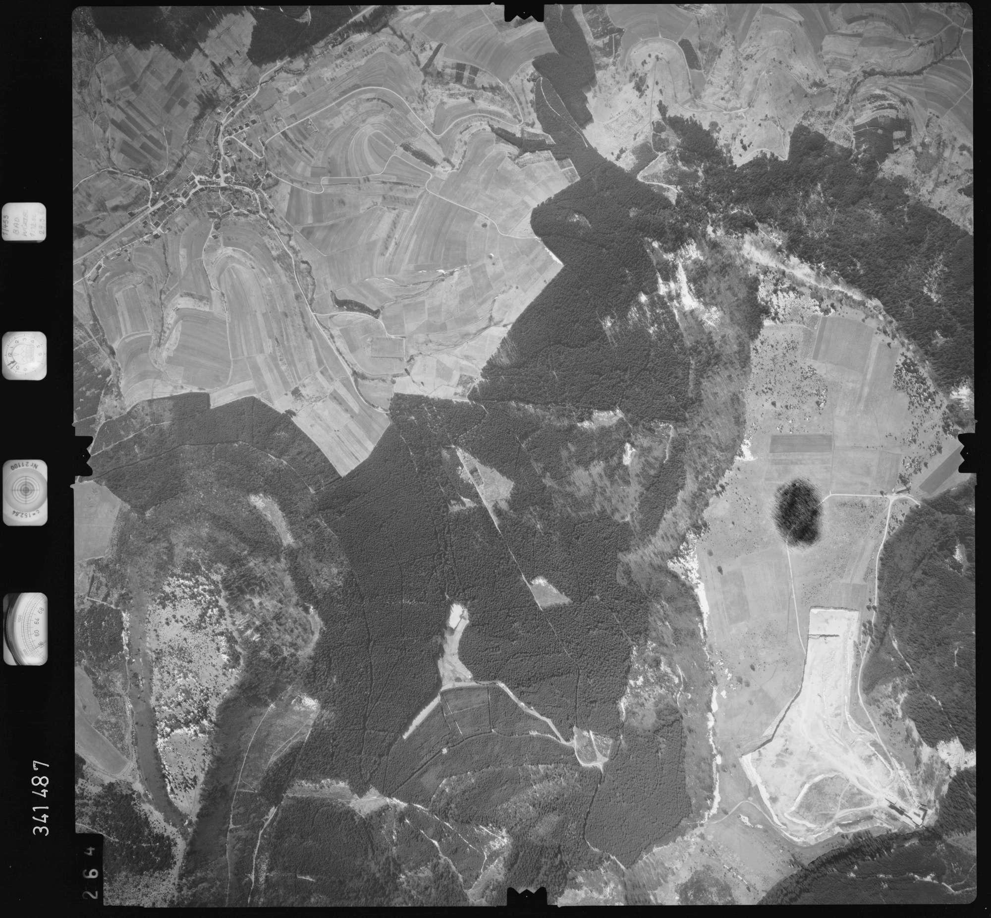 Luftbild: Film 50 Bildnr. 264, Bild 1