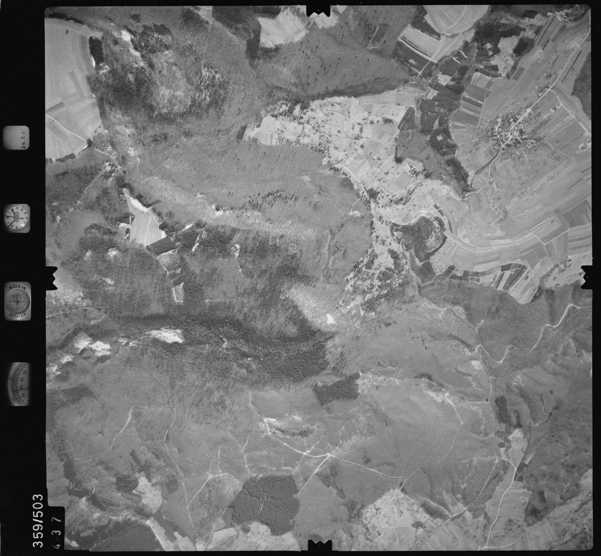 Luftbild: Film 20 Bildnr. 437, Bild 1