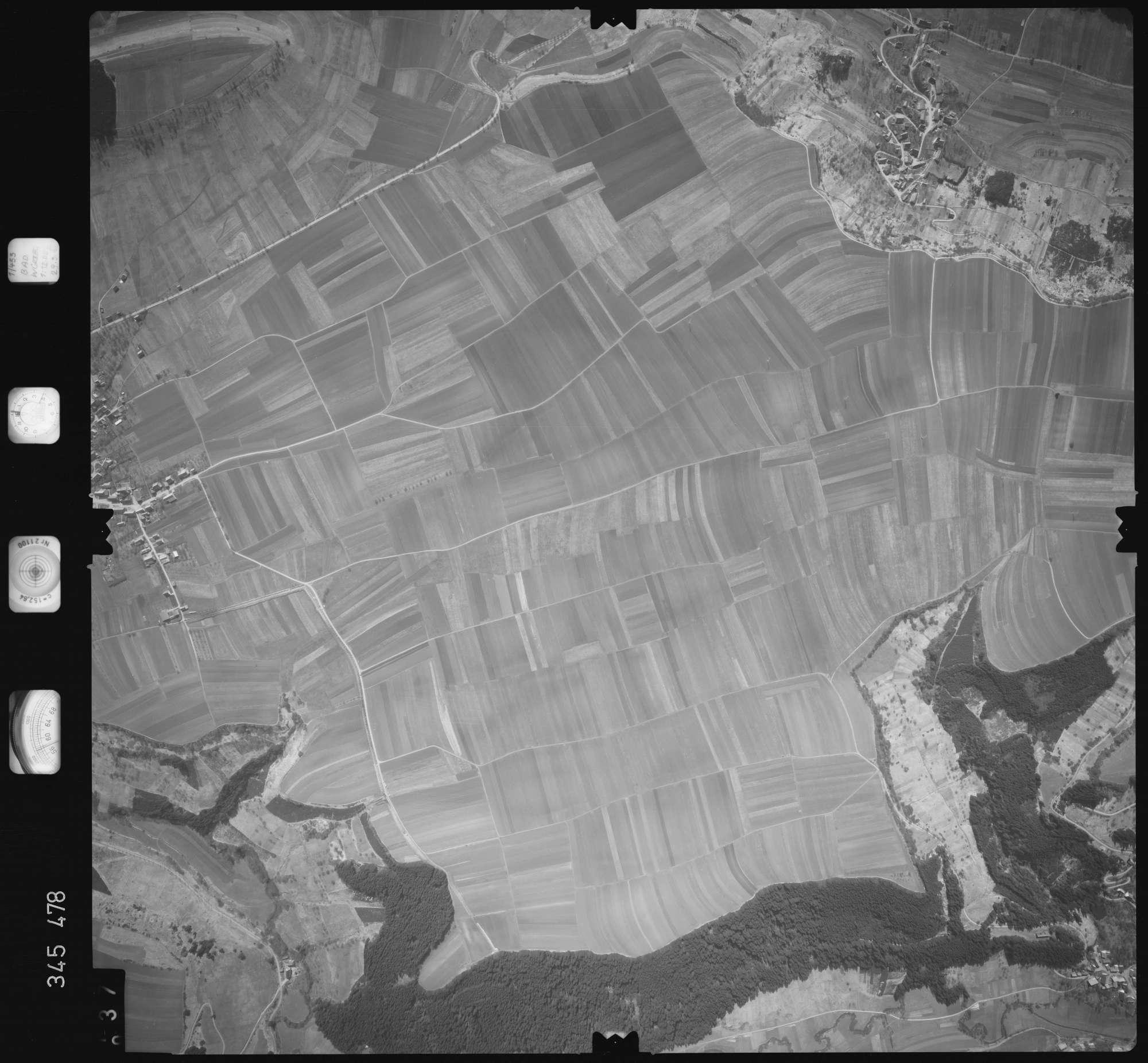 Luftbild: Film 44 Bildnr. 37, Bild 1