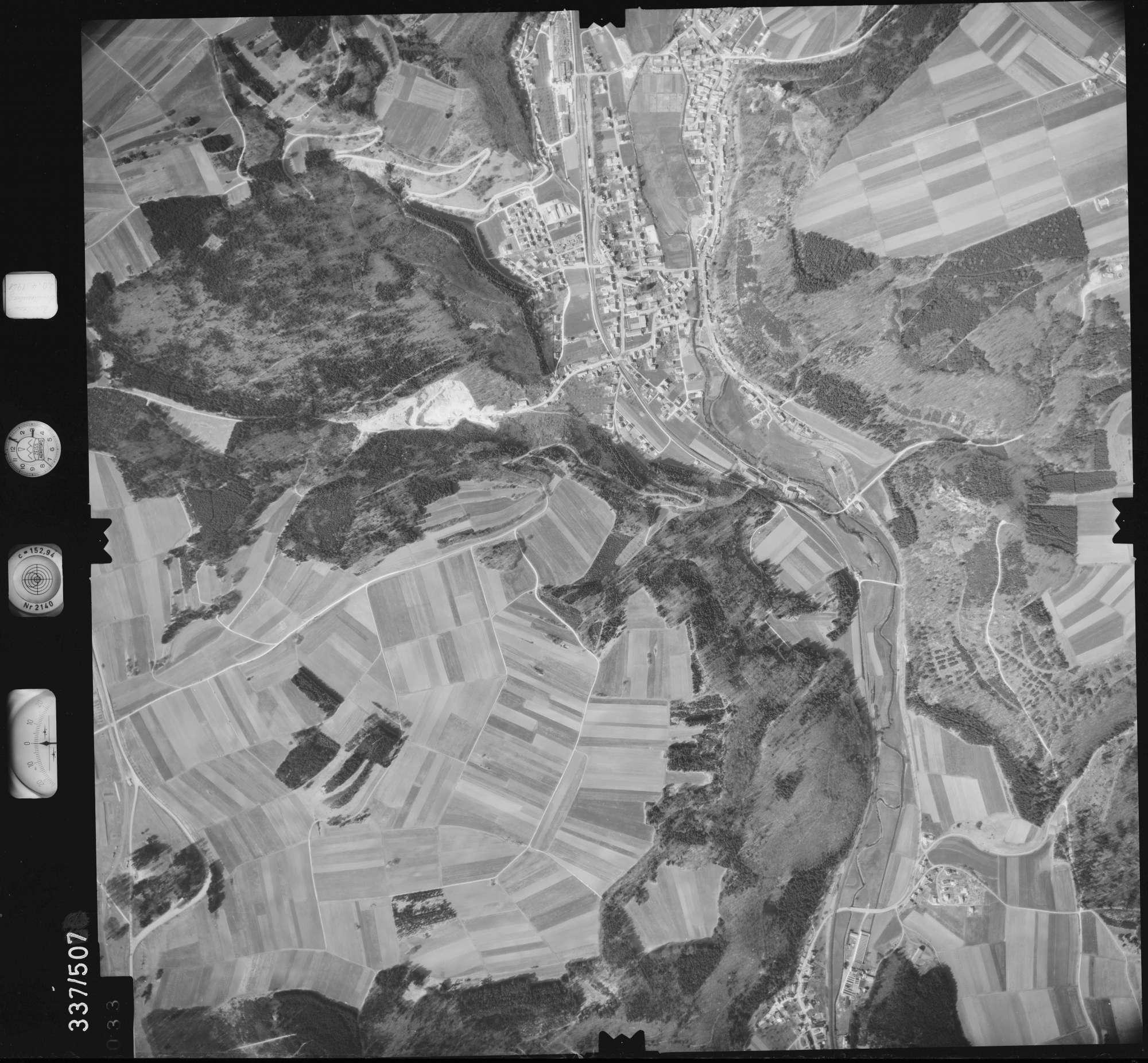 Luftbild: Film 18 Bildnr. 33, Bild 1