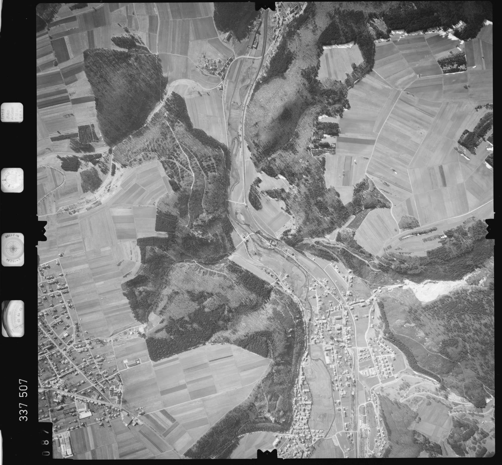 Luftbild: Film 50 Bildnr. 87, Bild 1