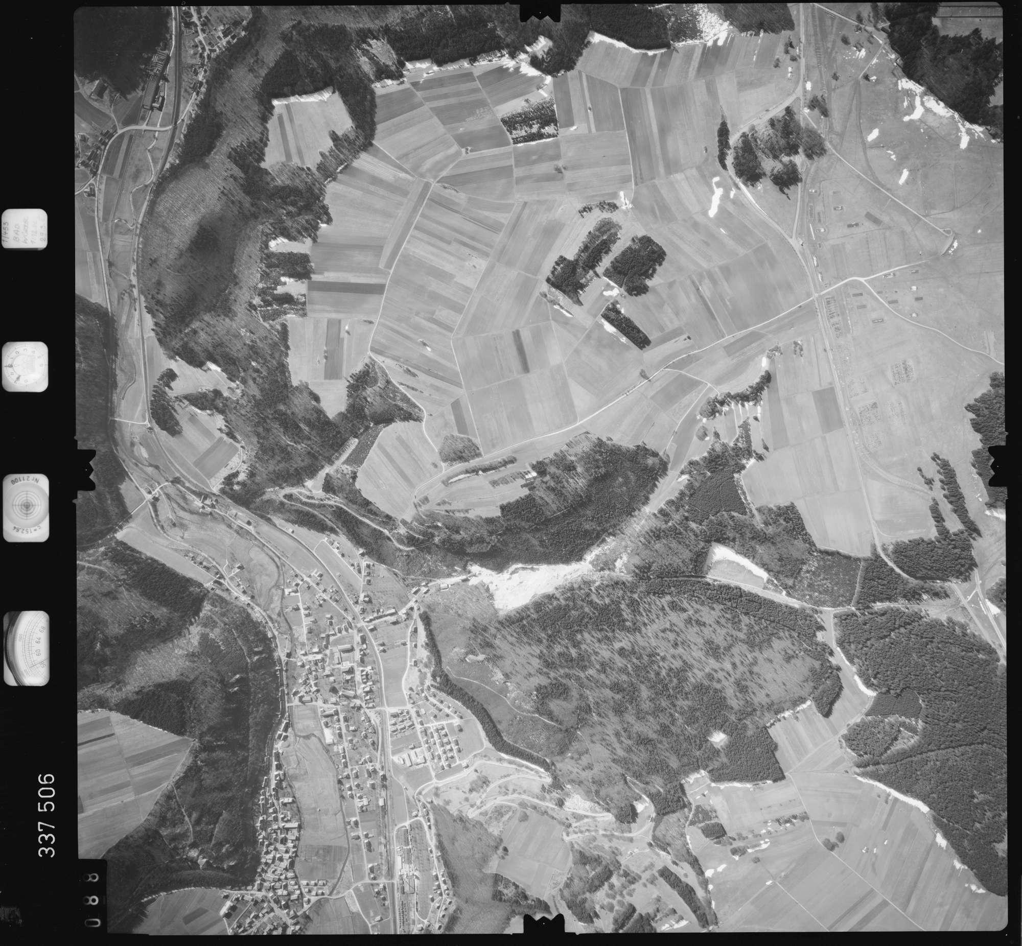 Luftbild: Film 50 Bildnr. 88, Bild 1