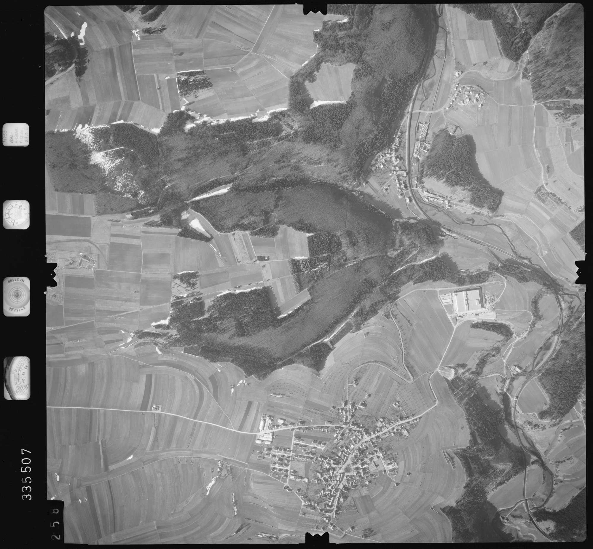 Luftbild: Film 51 Bildnr. 258, Bild 1