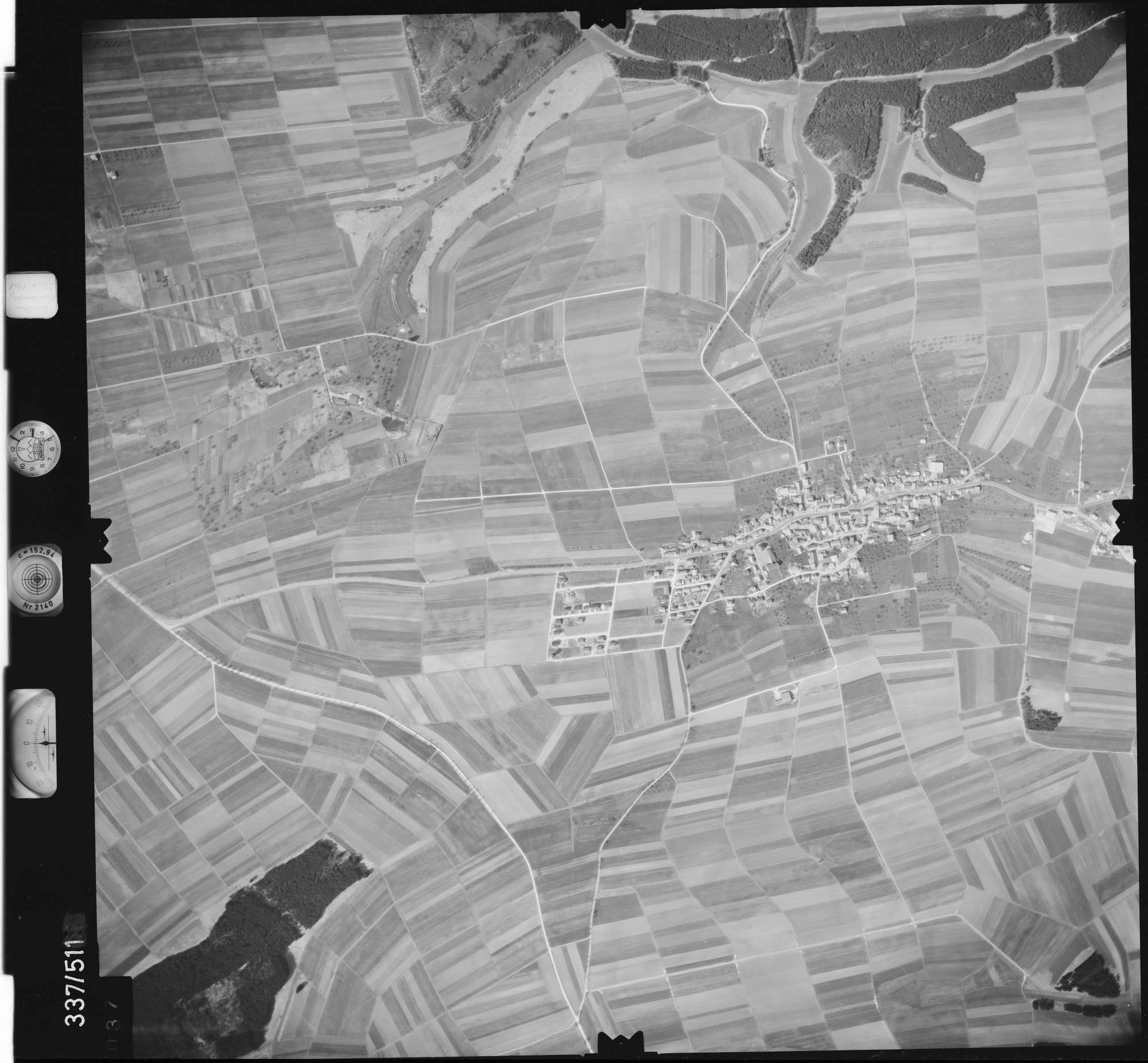 Luftbild: Film 18 Bildnr. 37, Bild 1