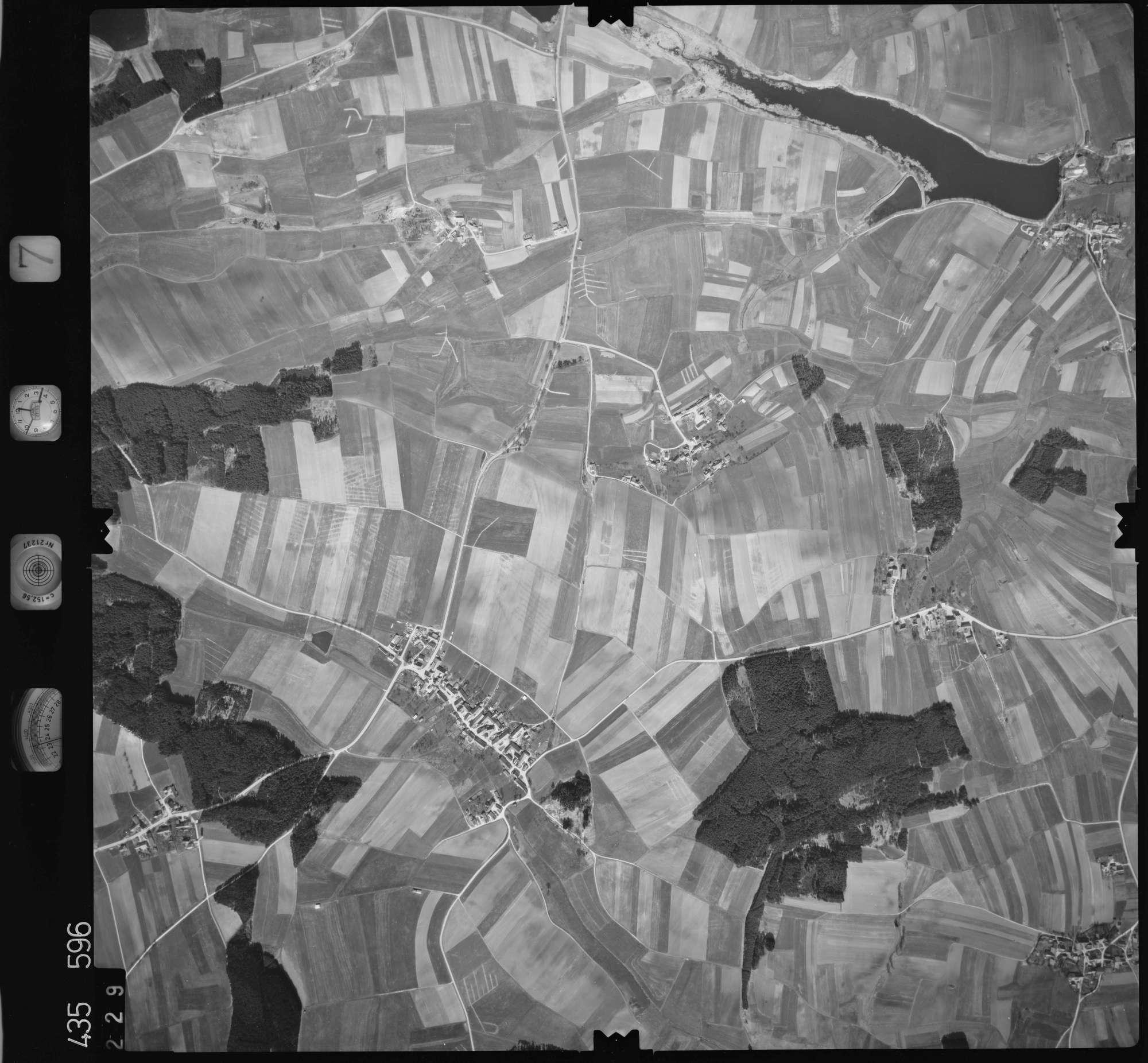 Luftbild: Film 7 Bildnr. 229, Bild 1