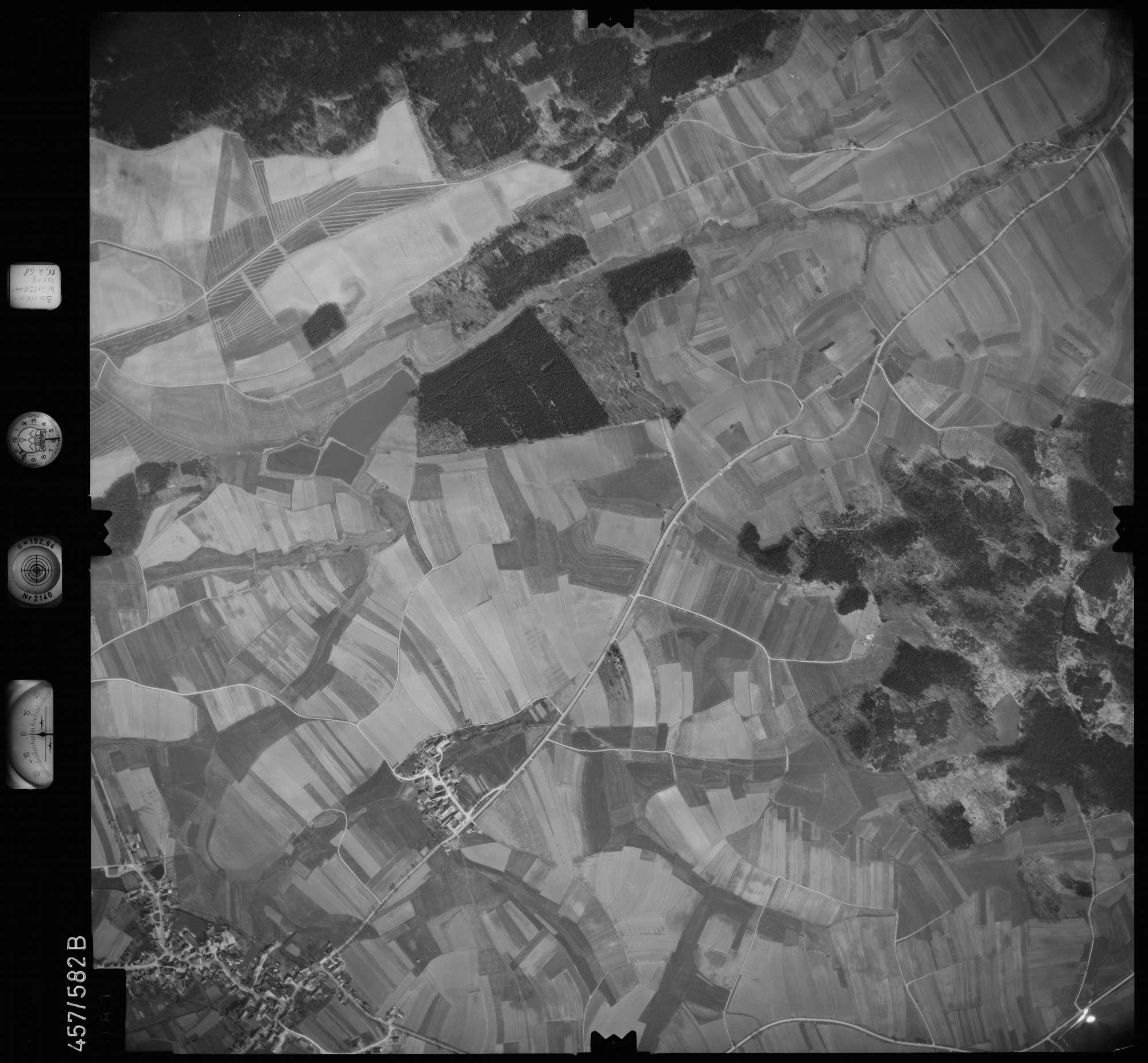 Luftbild: Film 105 Bildnr. 81, Bild 1