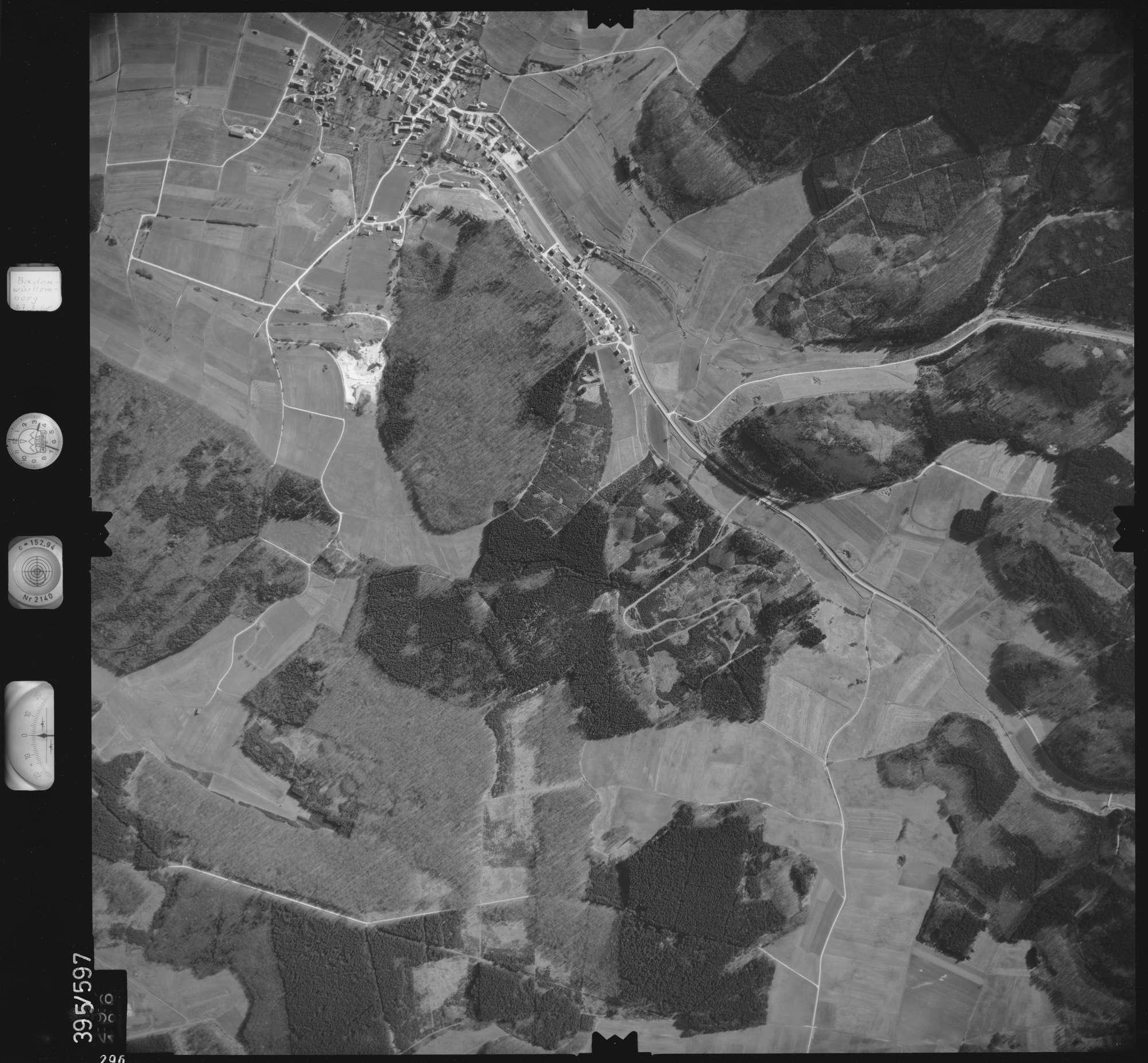 Luftbild: Film 24 Bildnr. 296, Bild 1