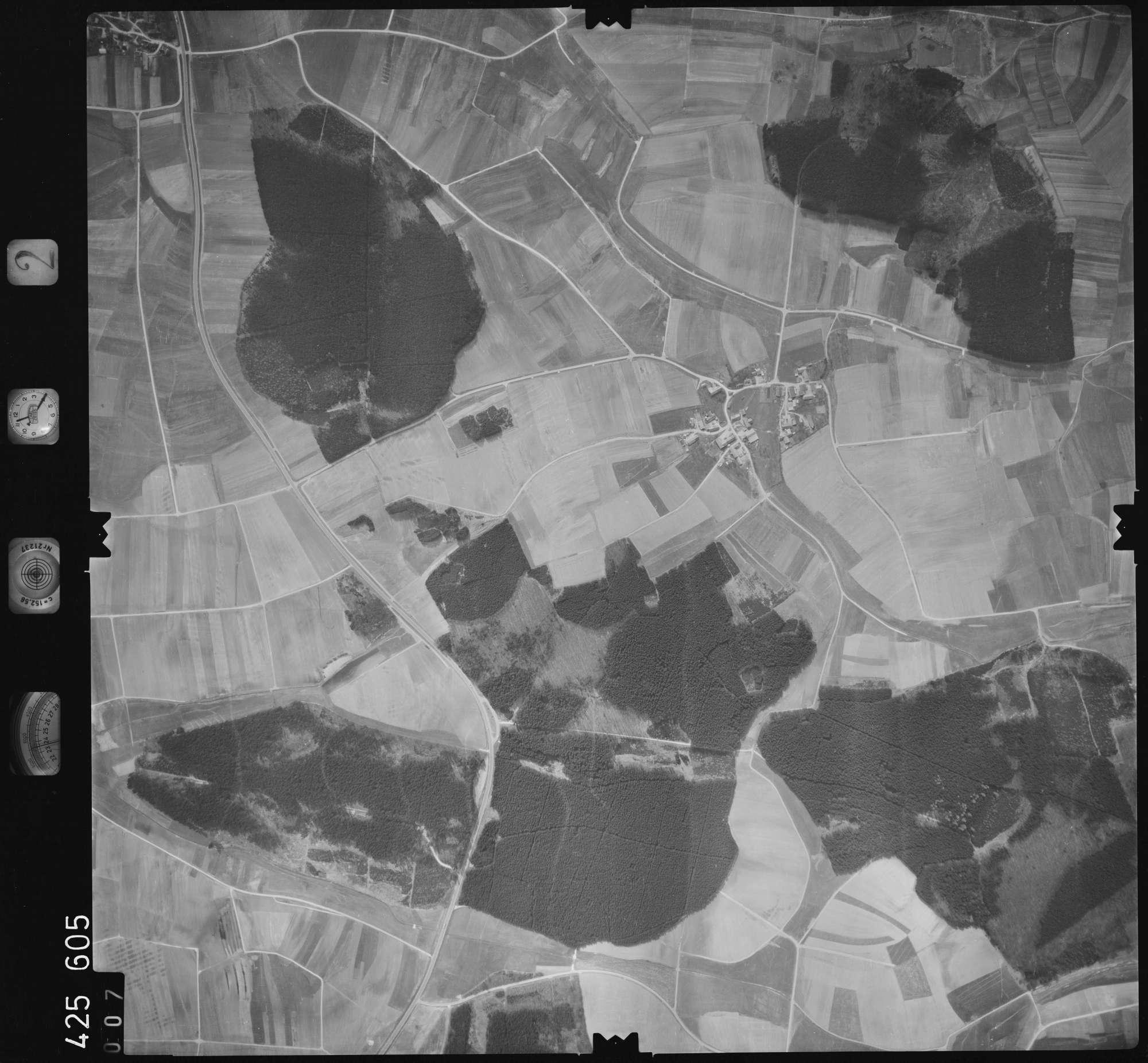 Luftbild: Film 2 Bildnr. 7, Bild 1