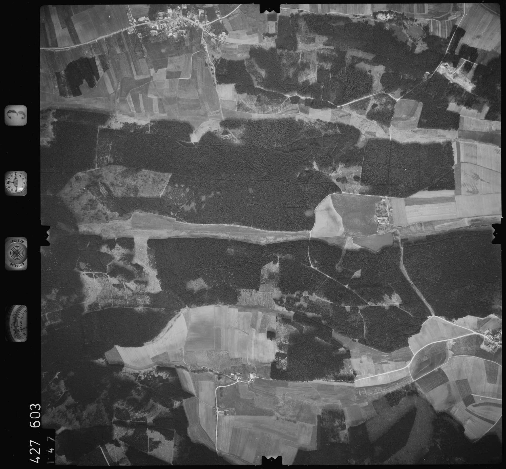Luftbild: Film 3 Bildnr. 147, Bild 1