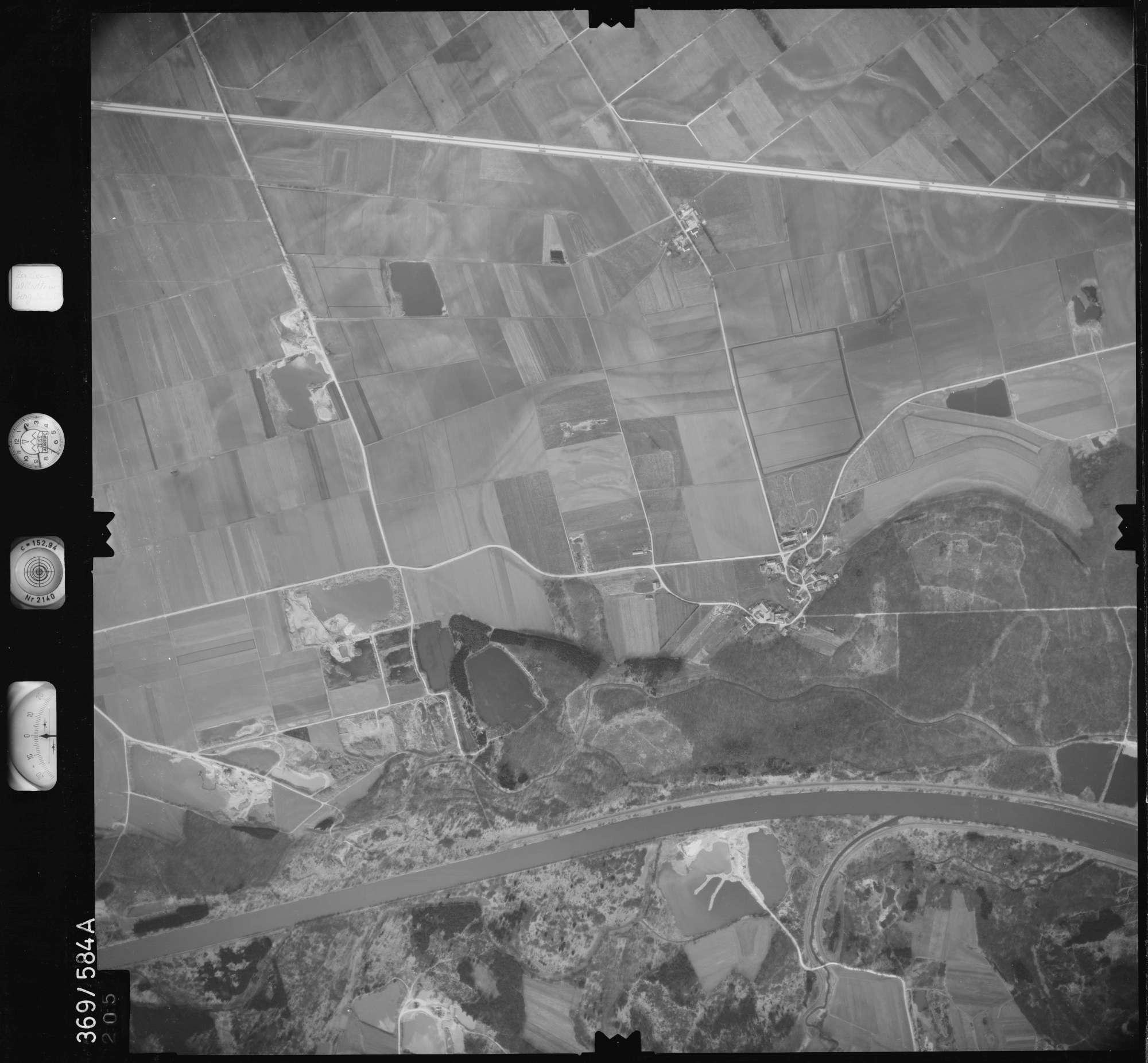 Luftbild: Film 35 Bildnr. 205, Bild 1