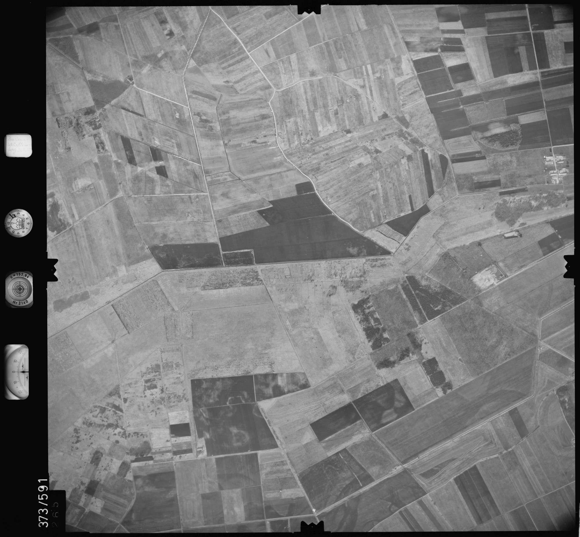 Luftbild: Film 35 Bildnr. 265, Bild 1