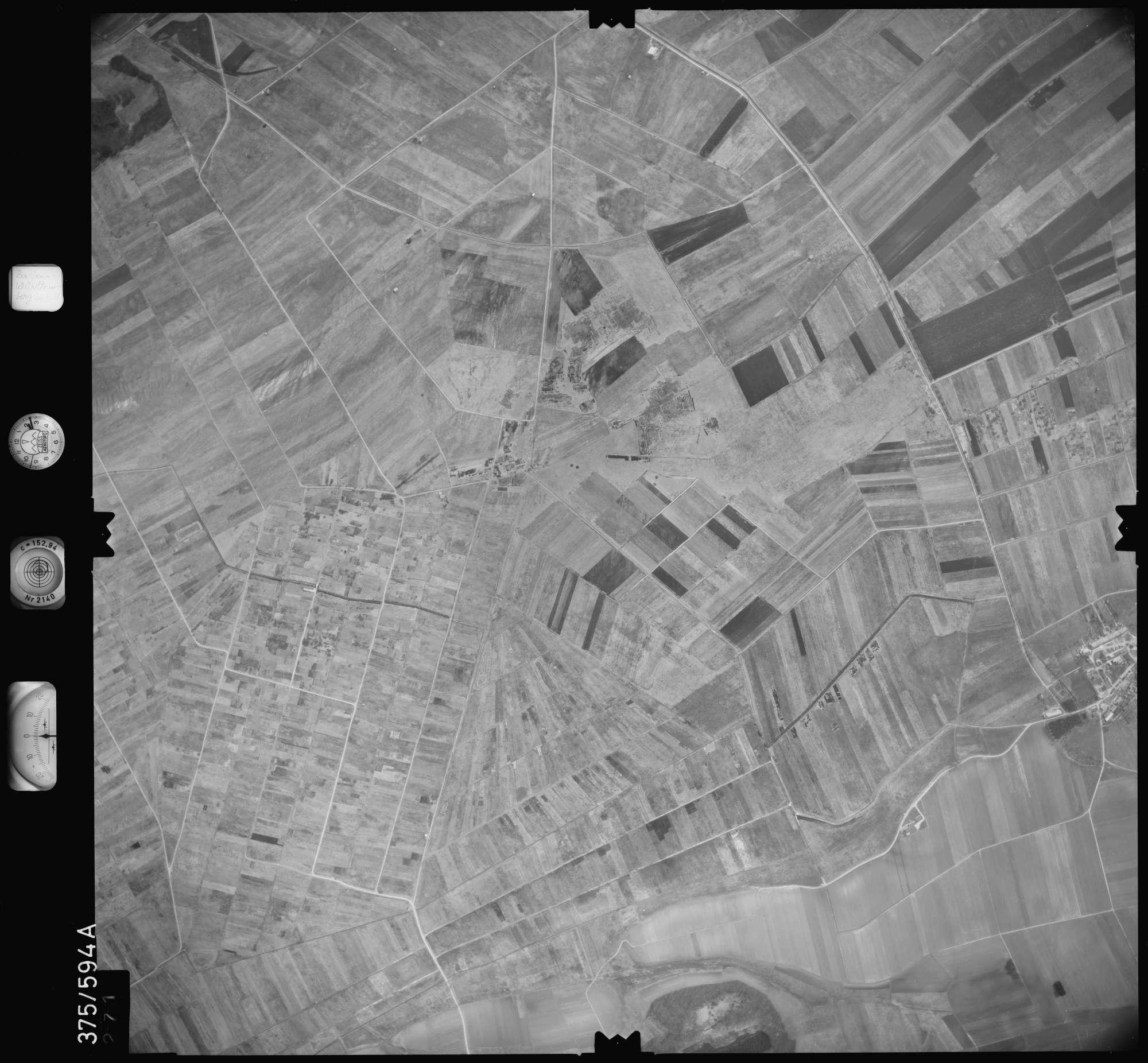 Luftbild: Film 35 Bildnr. 271, Bild 1