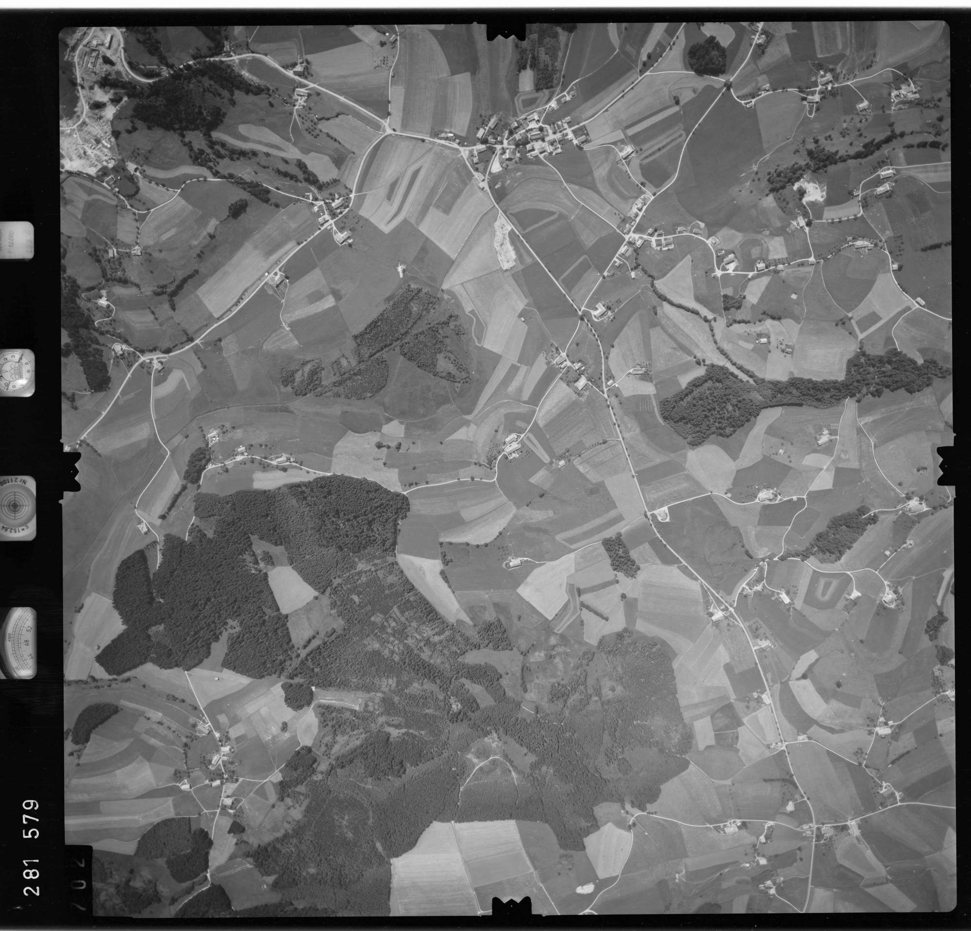 Luftbild: Film 76 Bildnr. 702, Bild 1