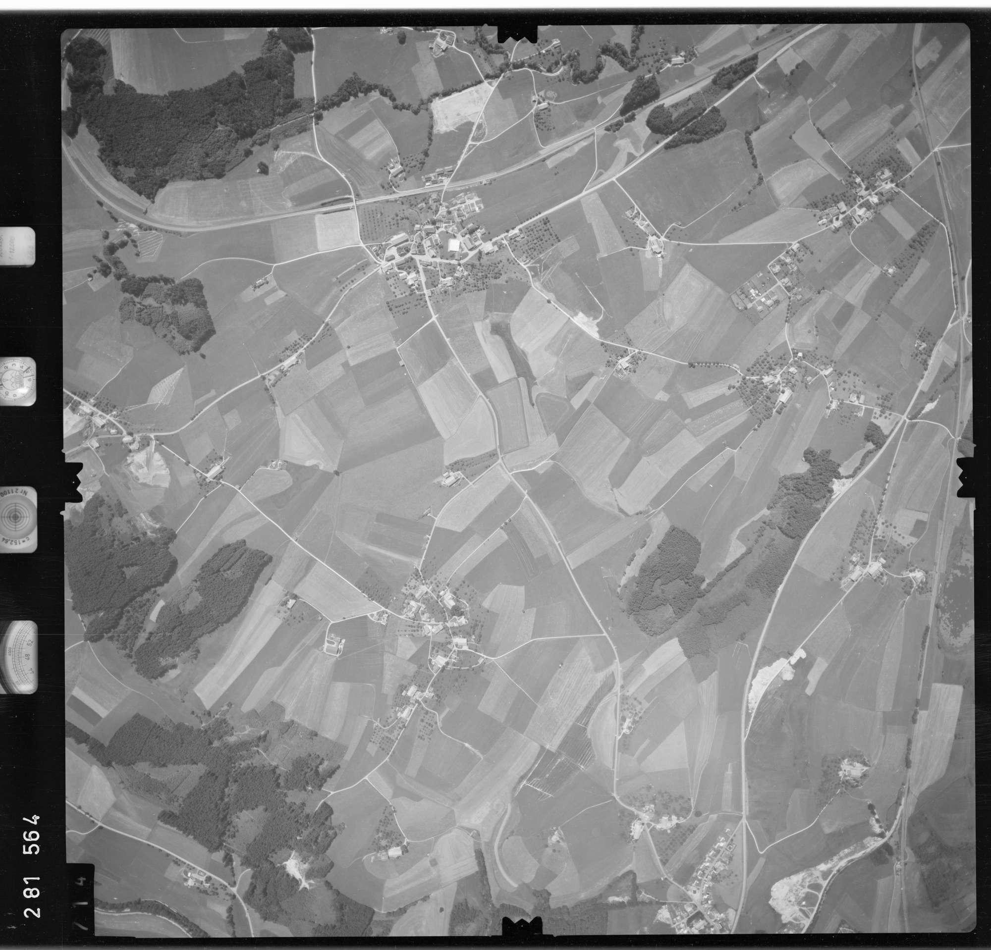 Luftbild: Film 76 Bildnr. 714, Bild 1