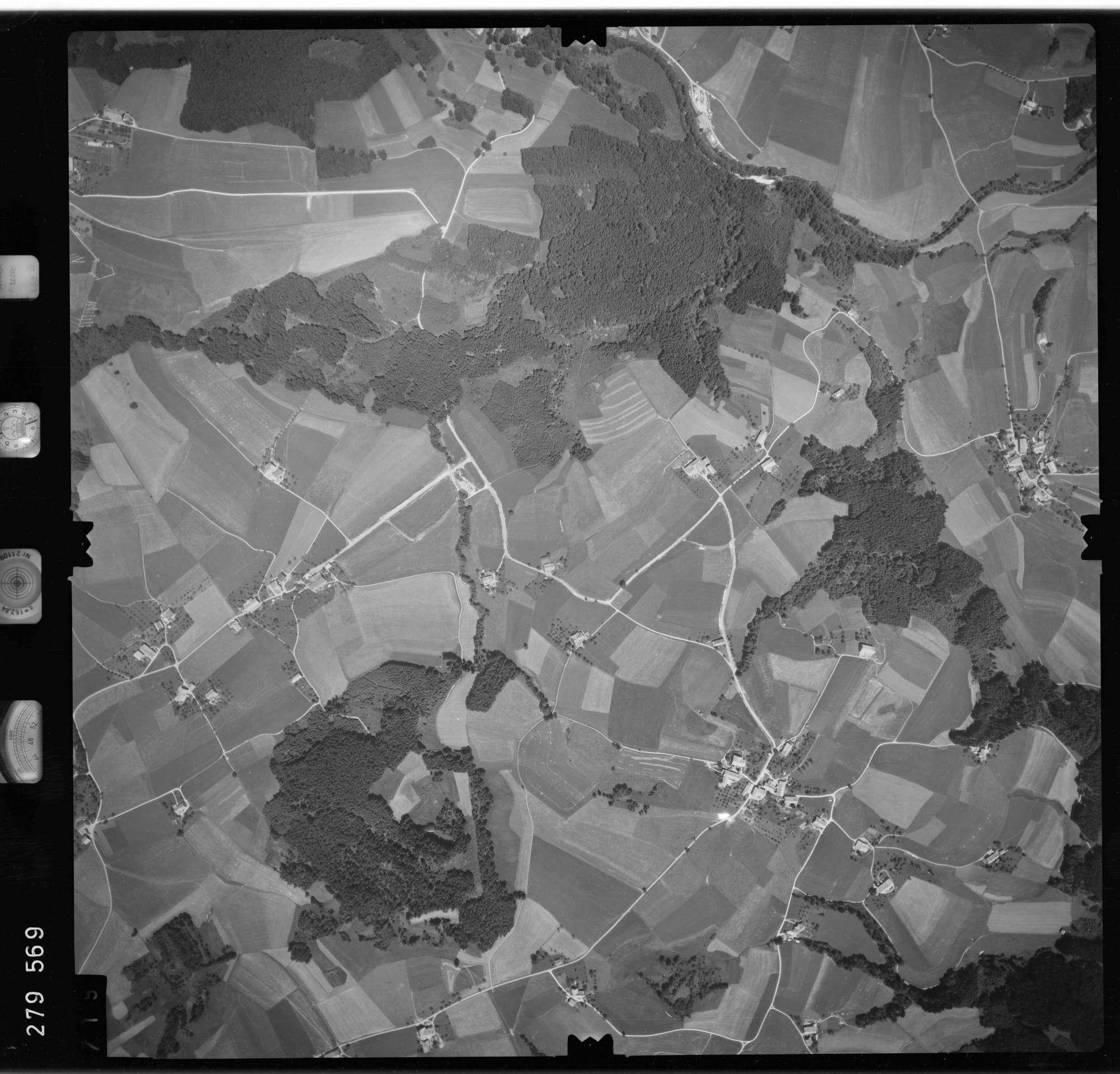 Luftbild: Film 76 Bildnr. 719, Bild 1
