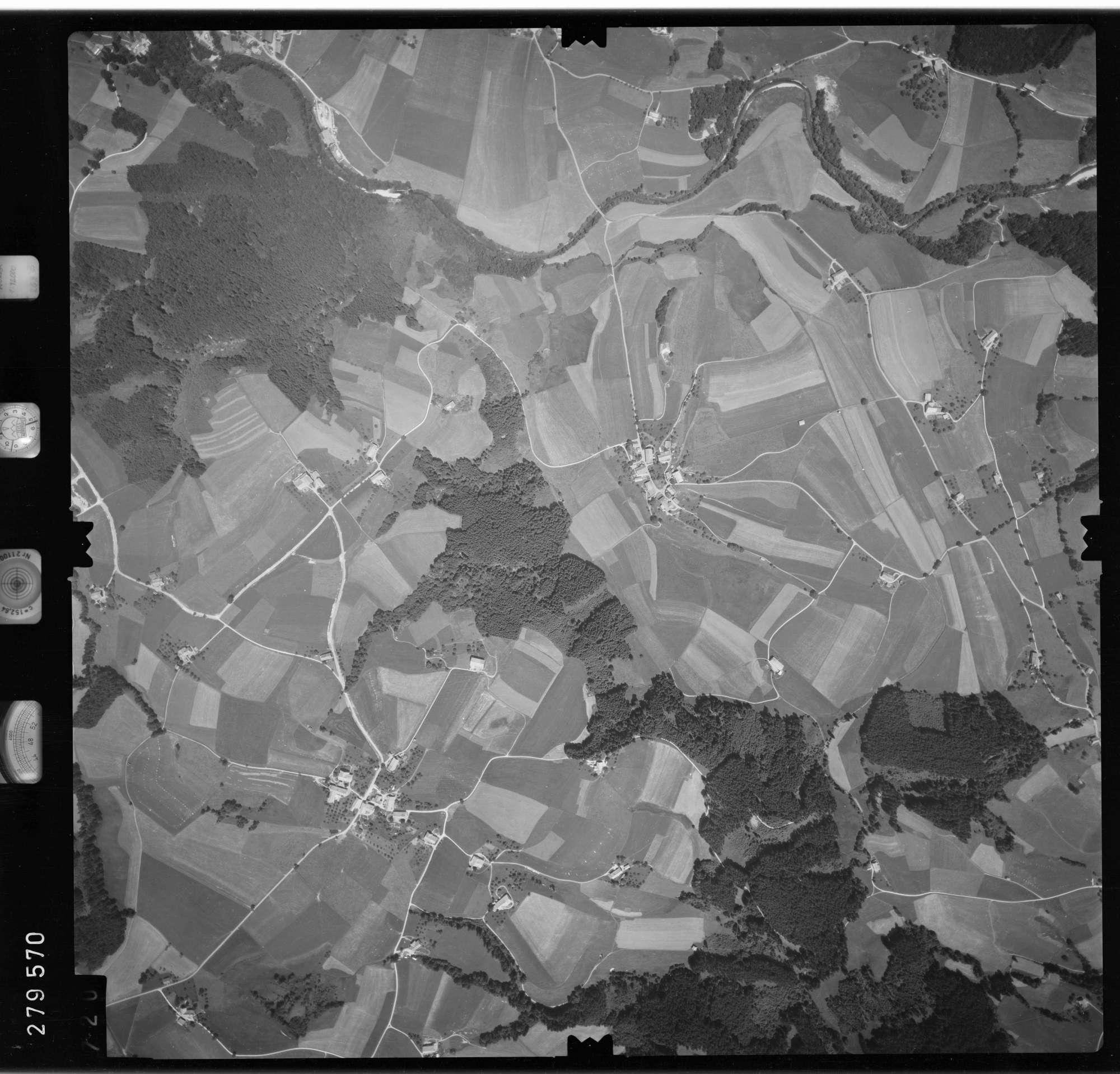 Luftbild: Film 76 Bildnr. 720, Bild 1