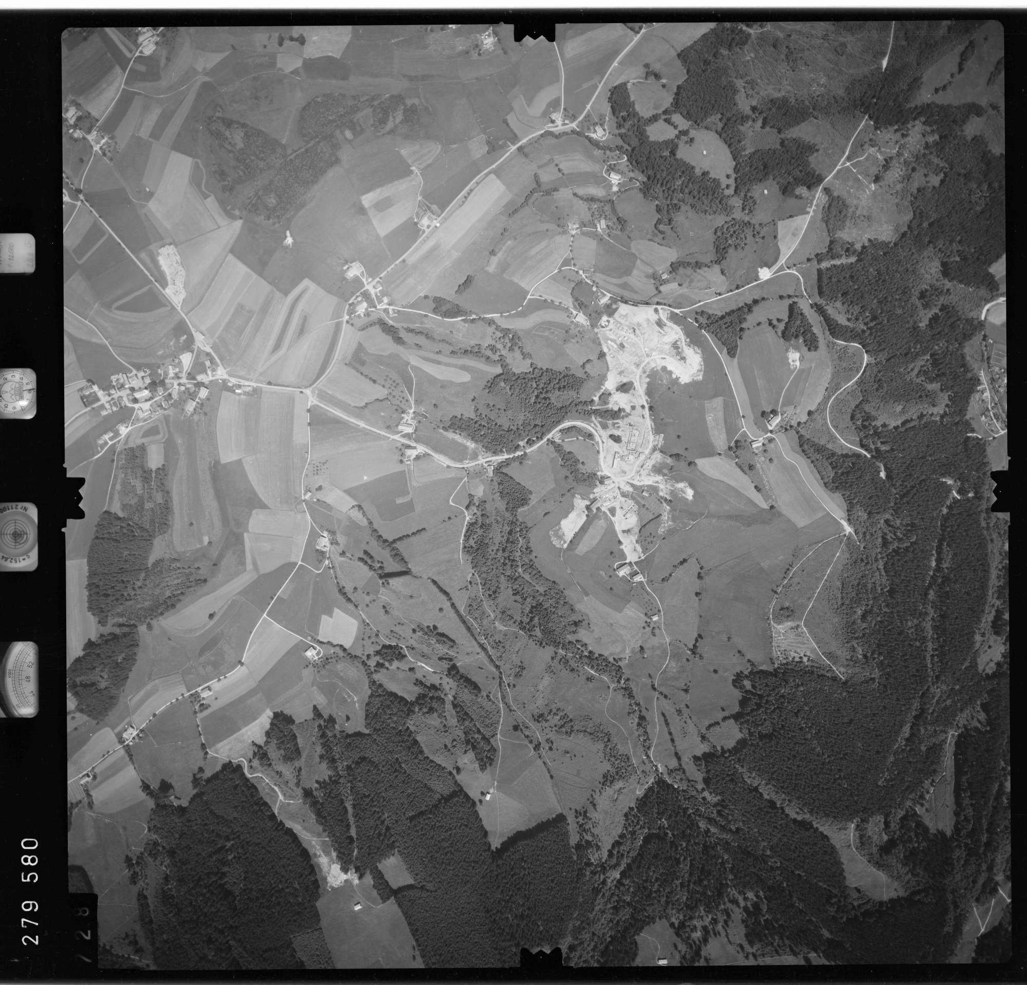 Luftbild: Film 76 Bildnr. 728, Bild 1