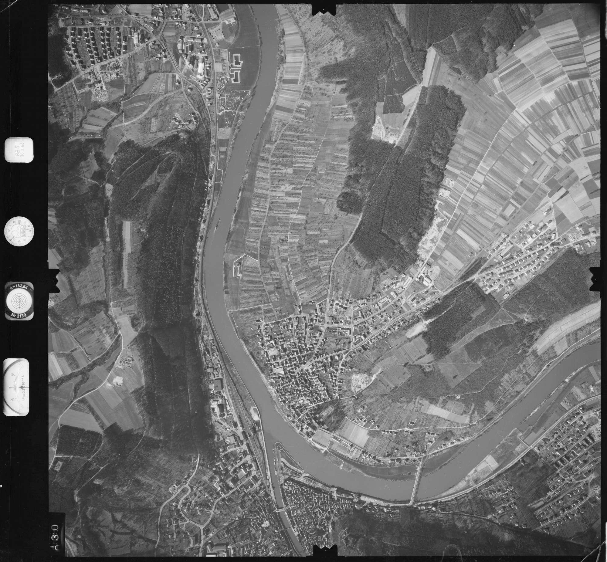 Luftbild: Film 885 Bildnr. 30, Bild 1