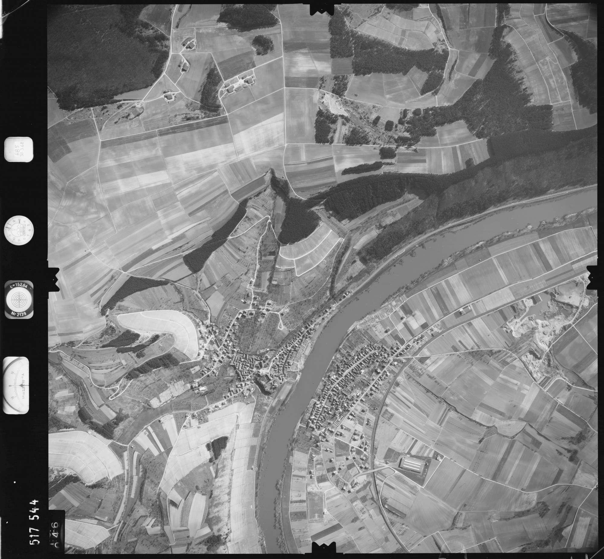 Luftbild: Film 885 Bildnr. 46, Bild 1