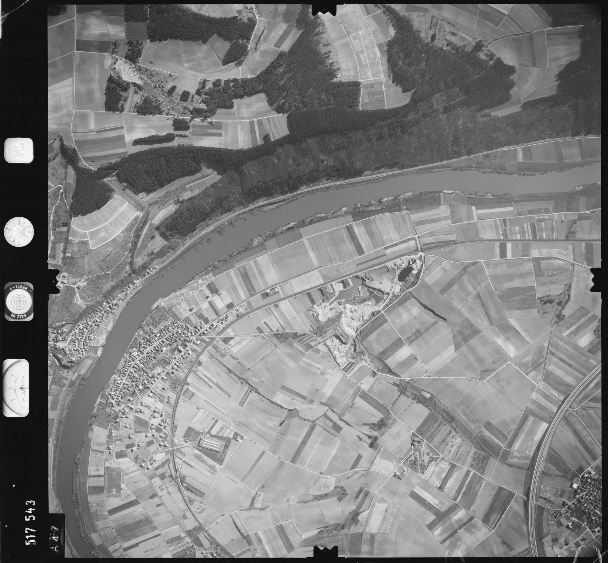 Luftbild: Film 885 Bildnr. 47, Bild 1