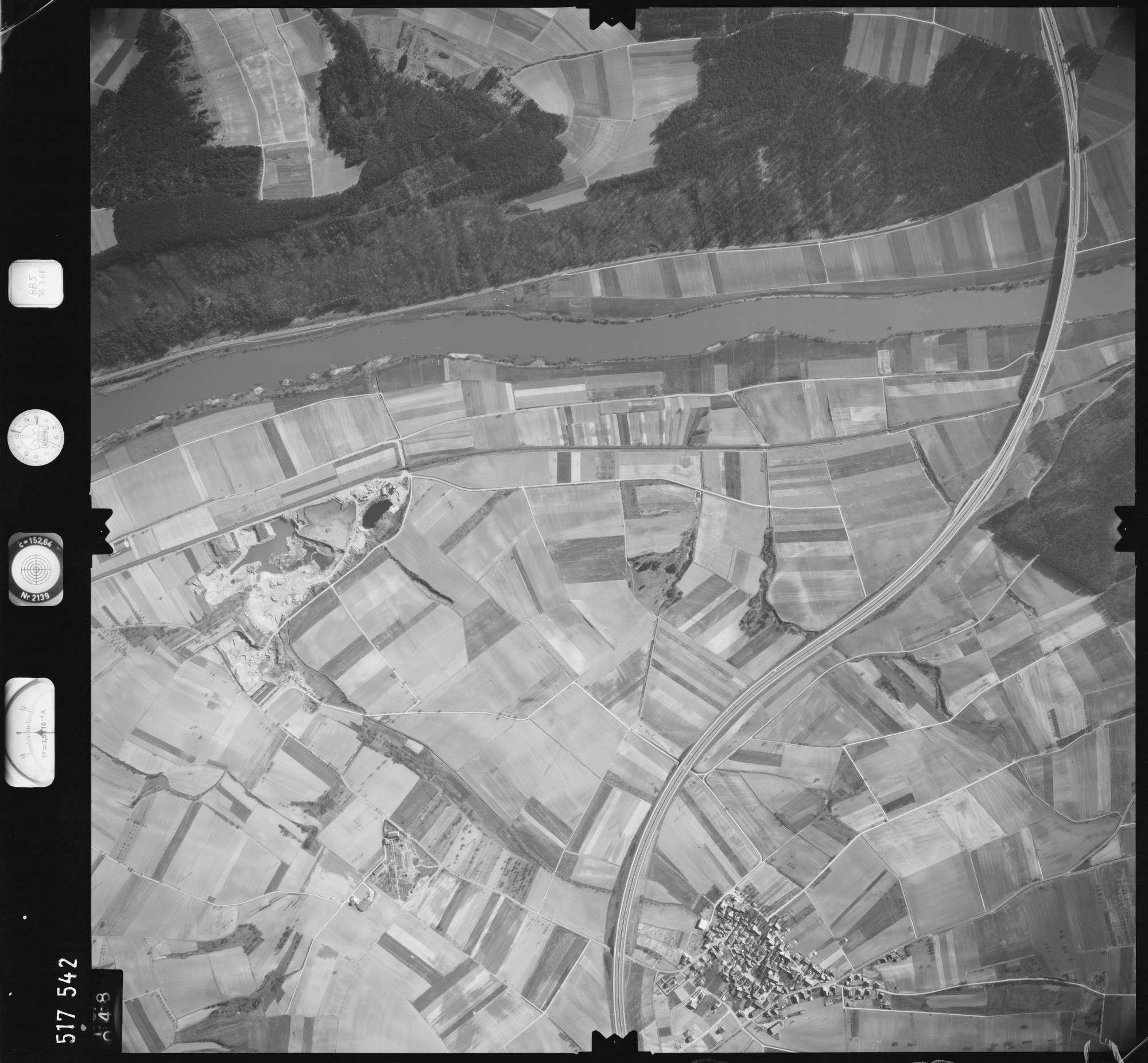 Luftbild: Film 885 Bildnr. 48, Bild 1
