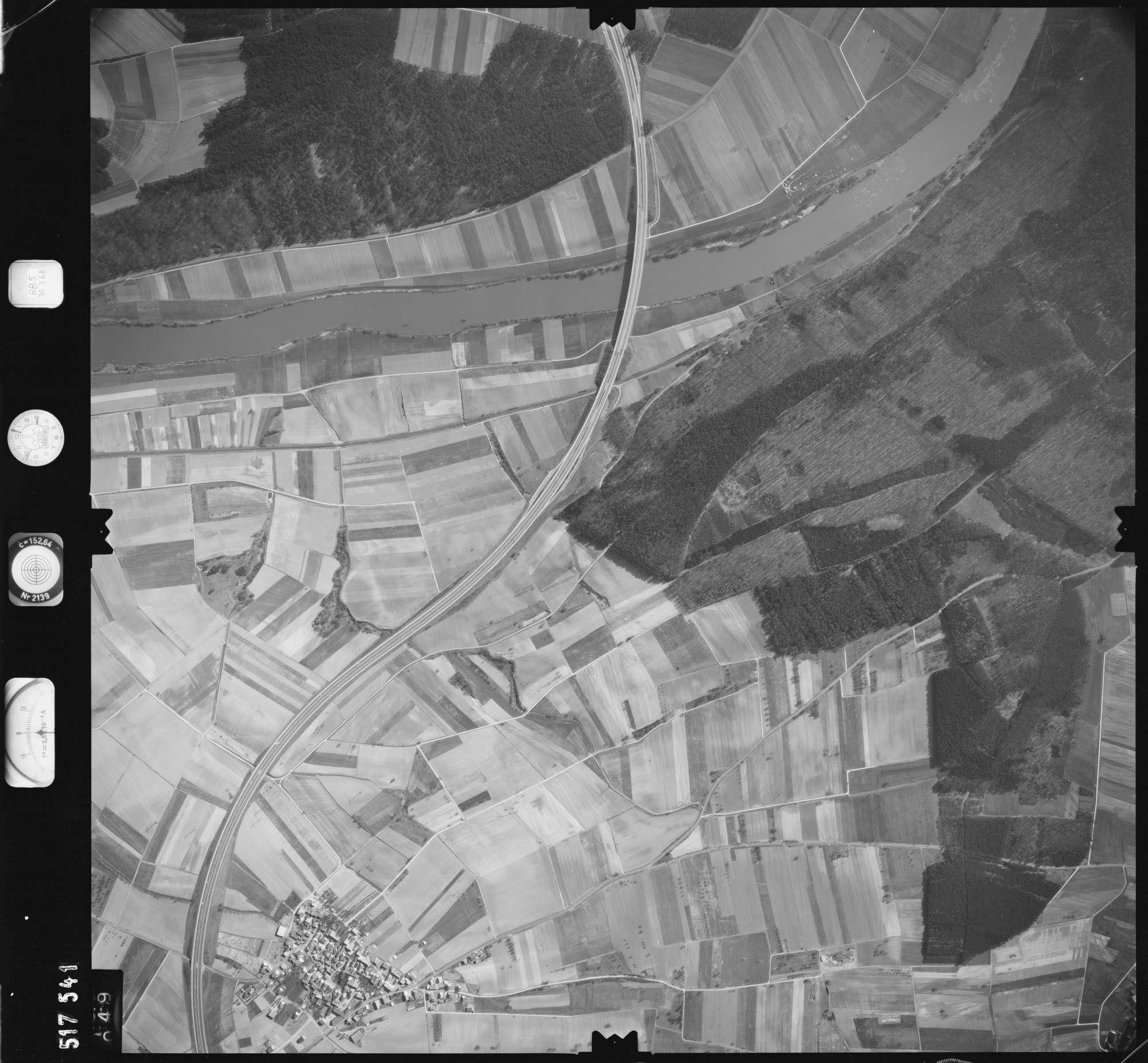 Luftbild: Film 885 Bildnr. 49, Bild 1