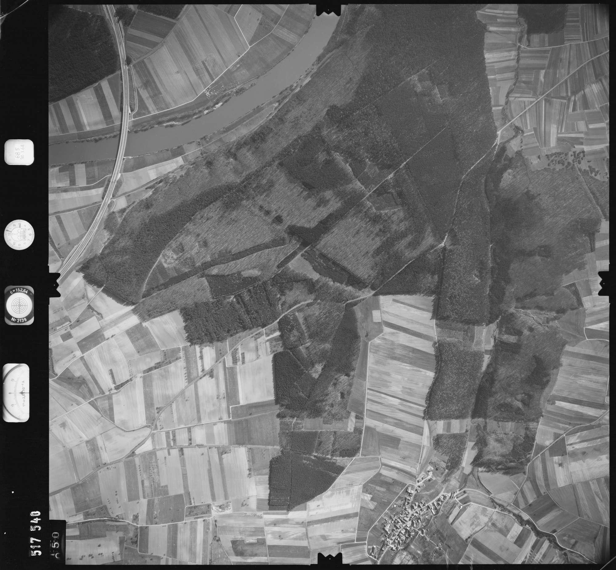 Luftbild: Film 885 Bildnr. 50, Bild 1