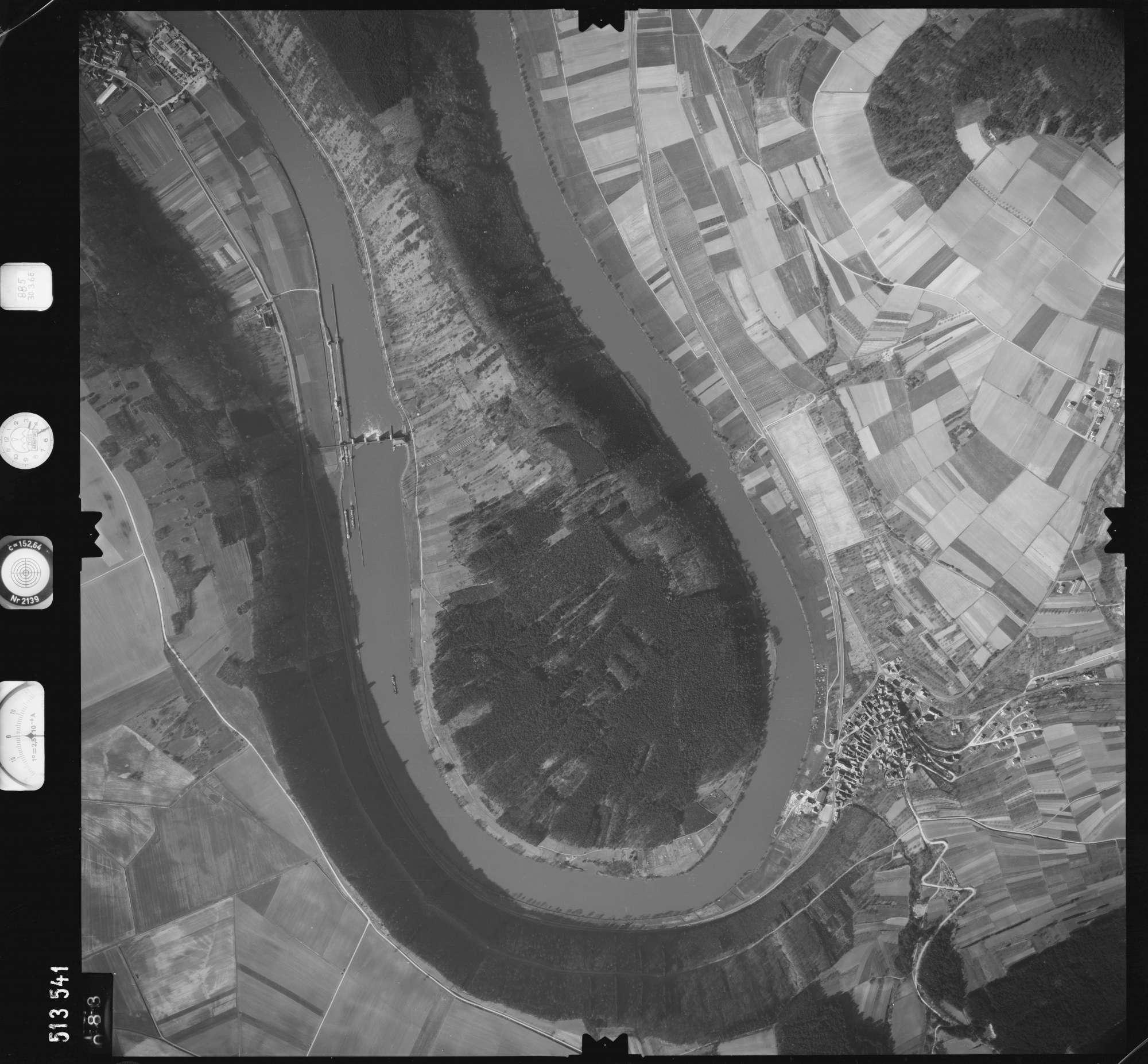 Luftbild: Film 885 Bildnr. 83, Bild 1