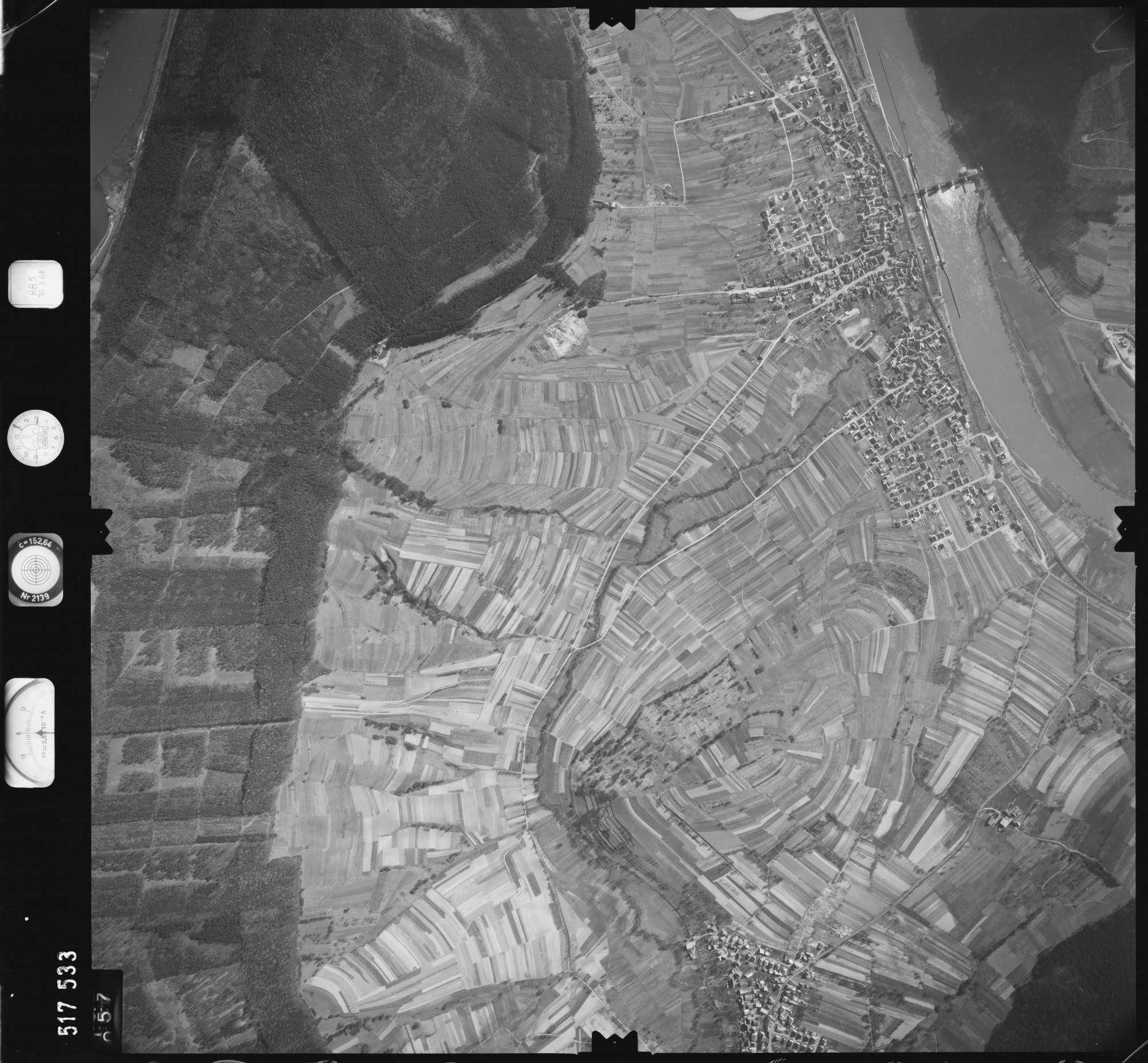 Luftbild: Film 885 Bildnr. 57, Bild 1