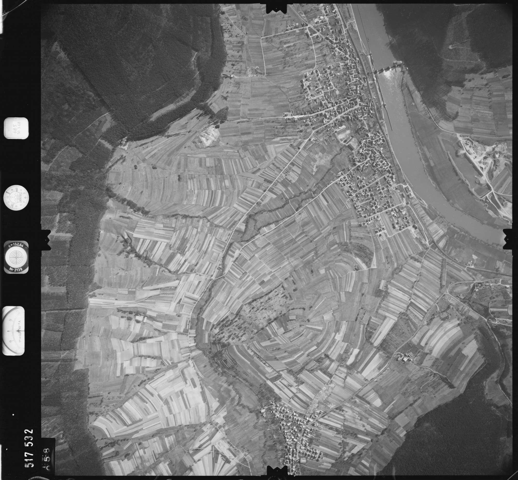Luftbild: Film 885 Bildnr. 58, Bild 1