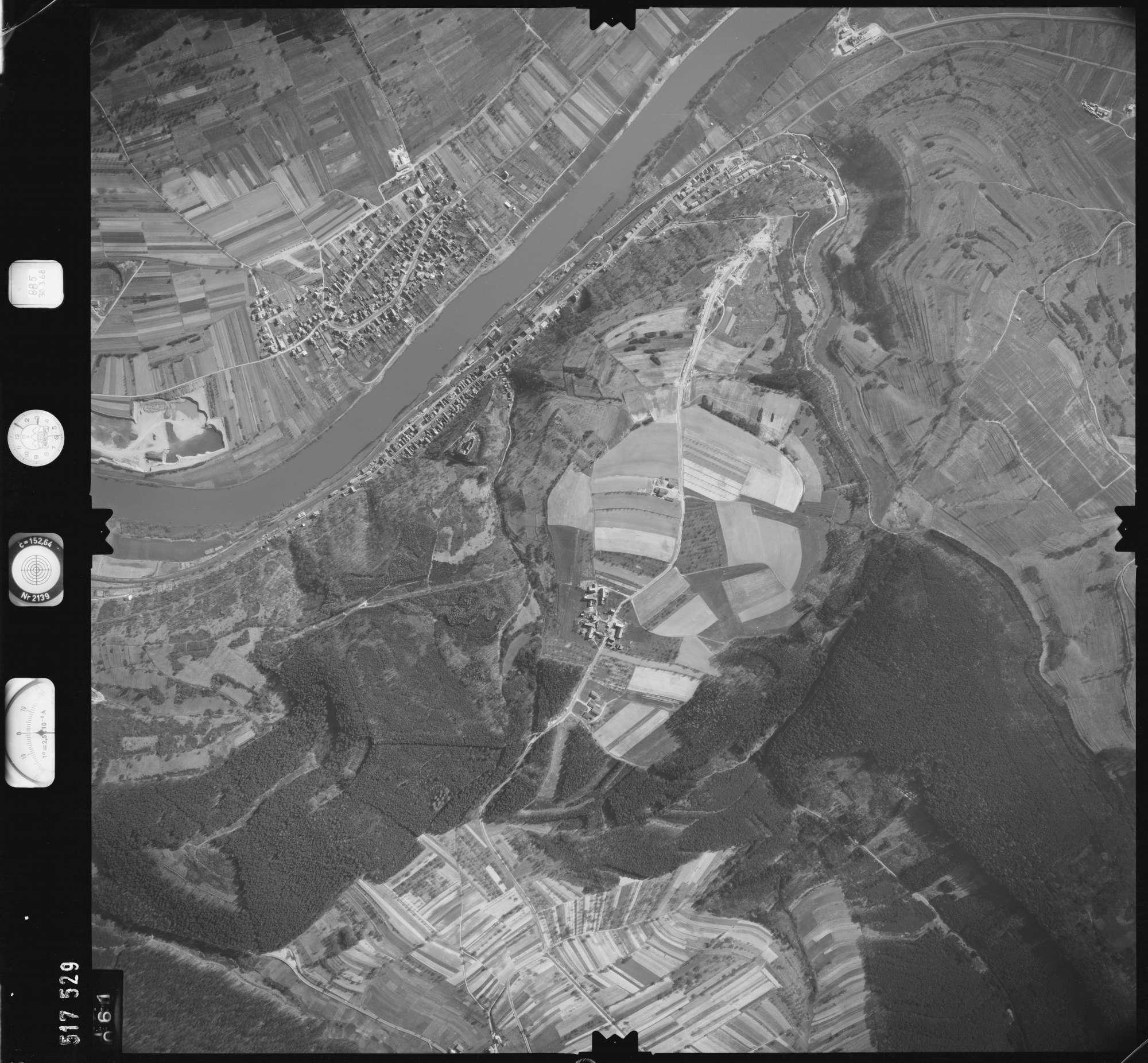 Luftbild: Film 885 Bildnr. 61, Bild 1
