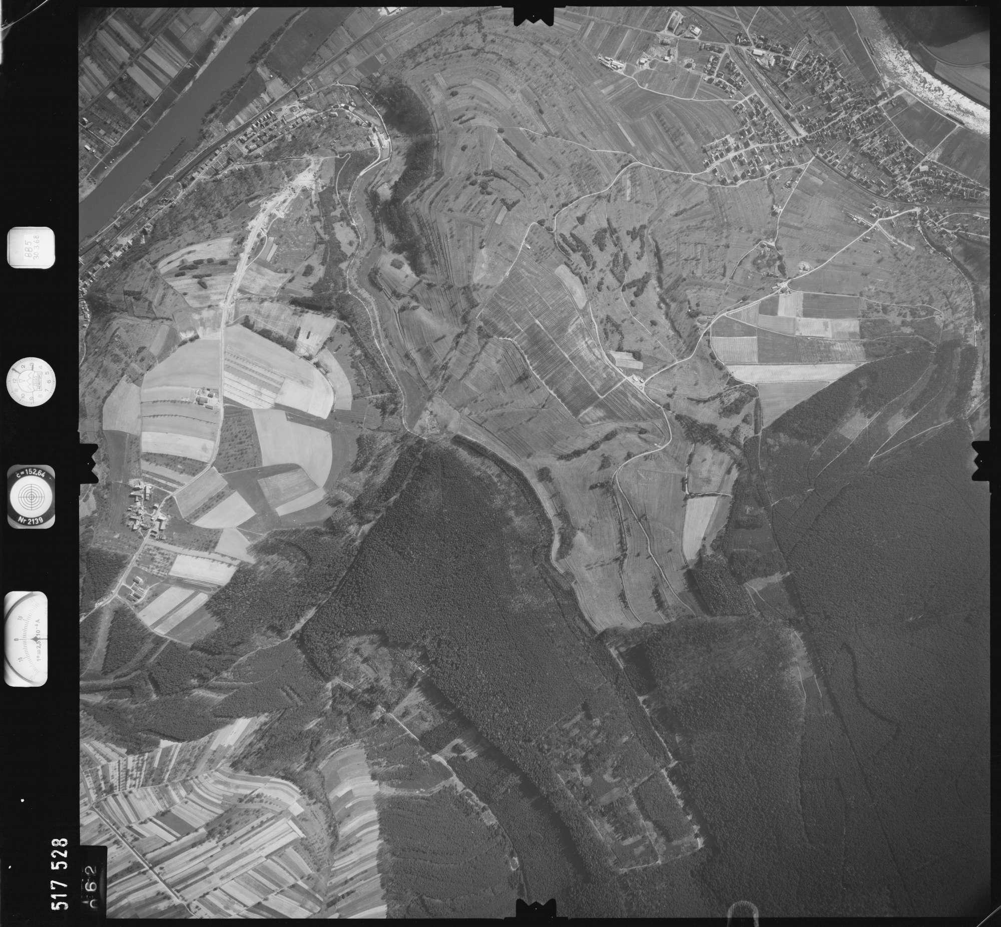 Luftbild: Film 885 Bildnr. 62, Bild 1