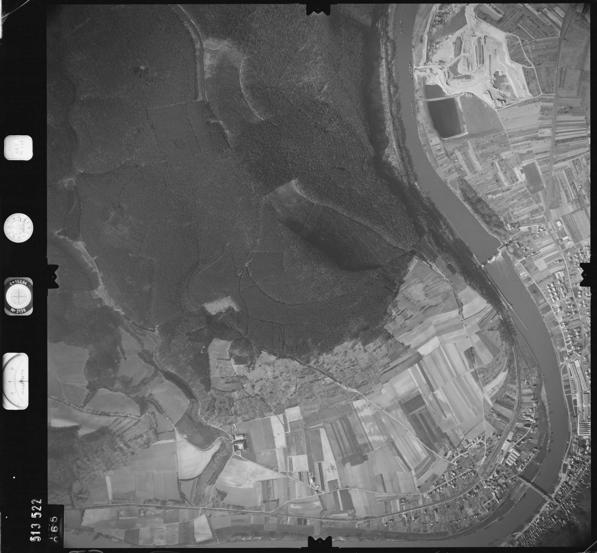 Luftbild: Film 885 Bildnr. 65, Bild 1