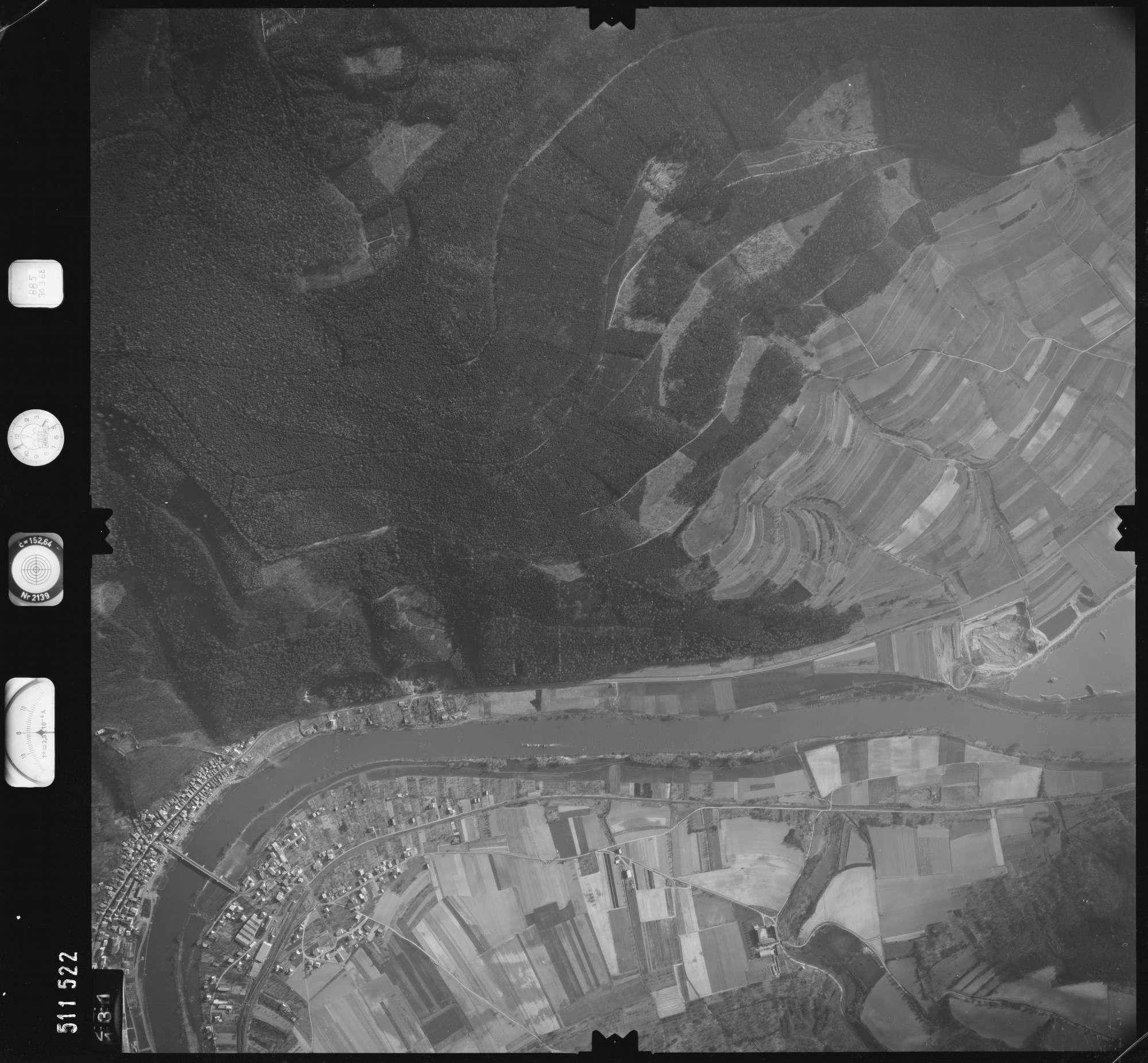 Luftbild: Film 885 Bildnr. 131, Bild 1