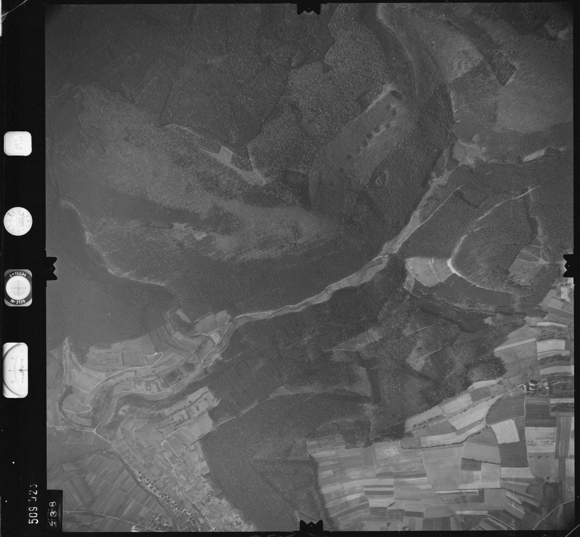 Luftbild: Film 885 Bildnr. 138, Bild 1