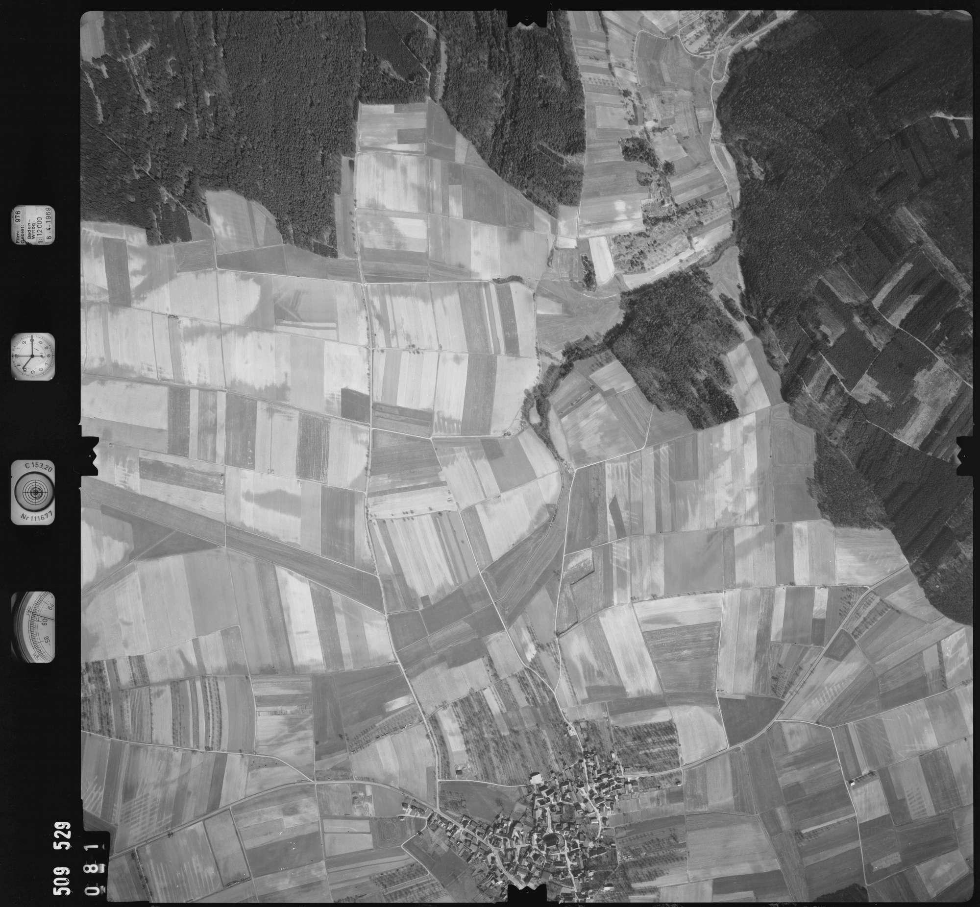 Luftbild: Film 976 Bildnr. 81, Bild 1