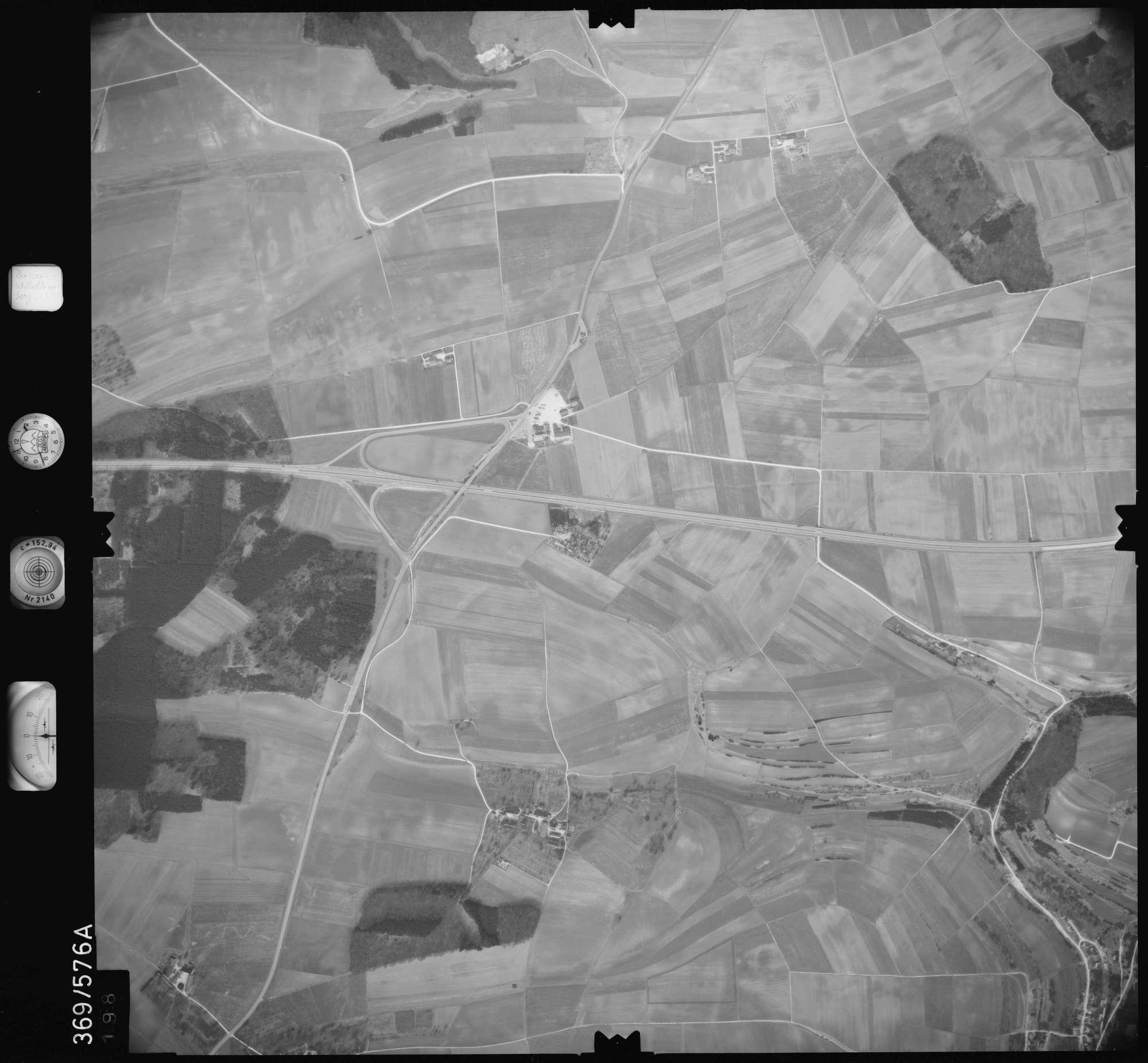 Luftbild: Film 35 Bildnr. 198, Bild 1
