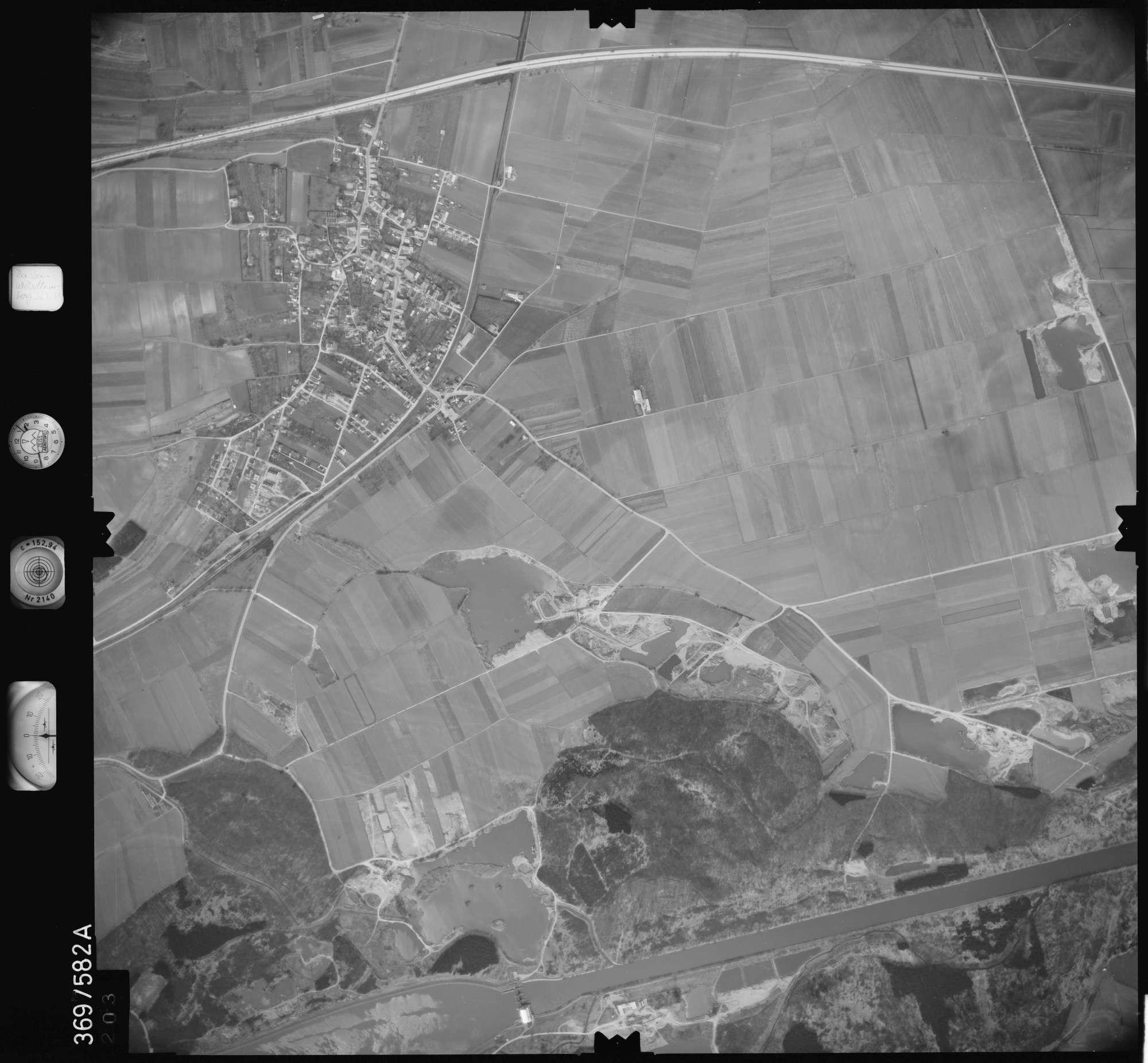Luftbild: Film 35 Bildnr. 203, Bild 1