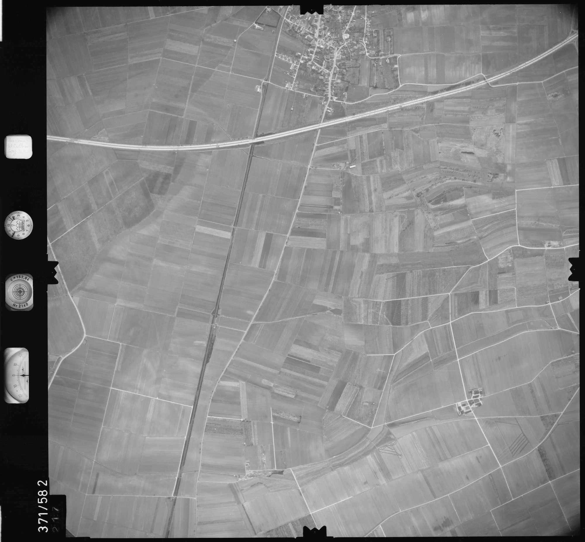 Luftbild: Film 35 Bildnr. 217, Bild 1