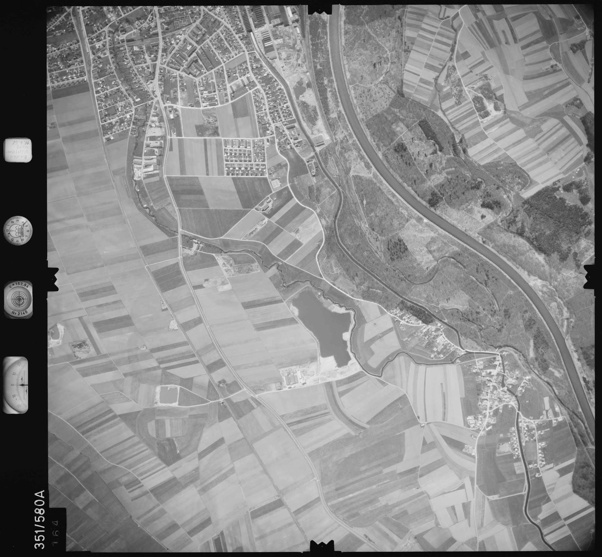 Luftbild: Film 105 Bildnr. 164, Bild 1