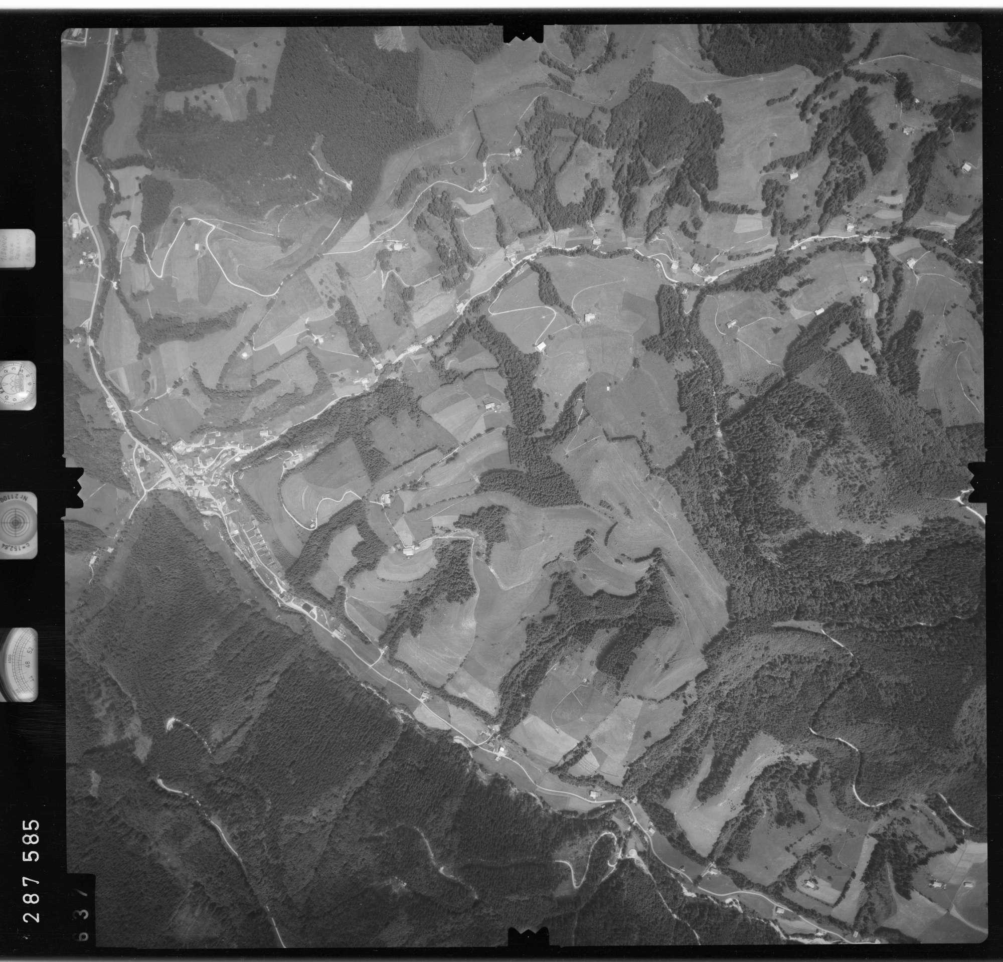 Luftbild: Film 76 Bildnr. 637, Bild 1